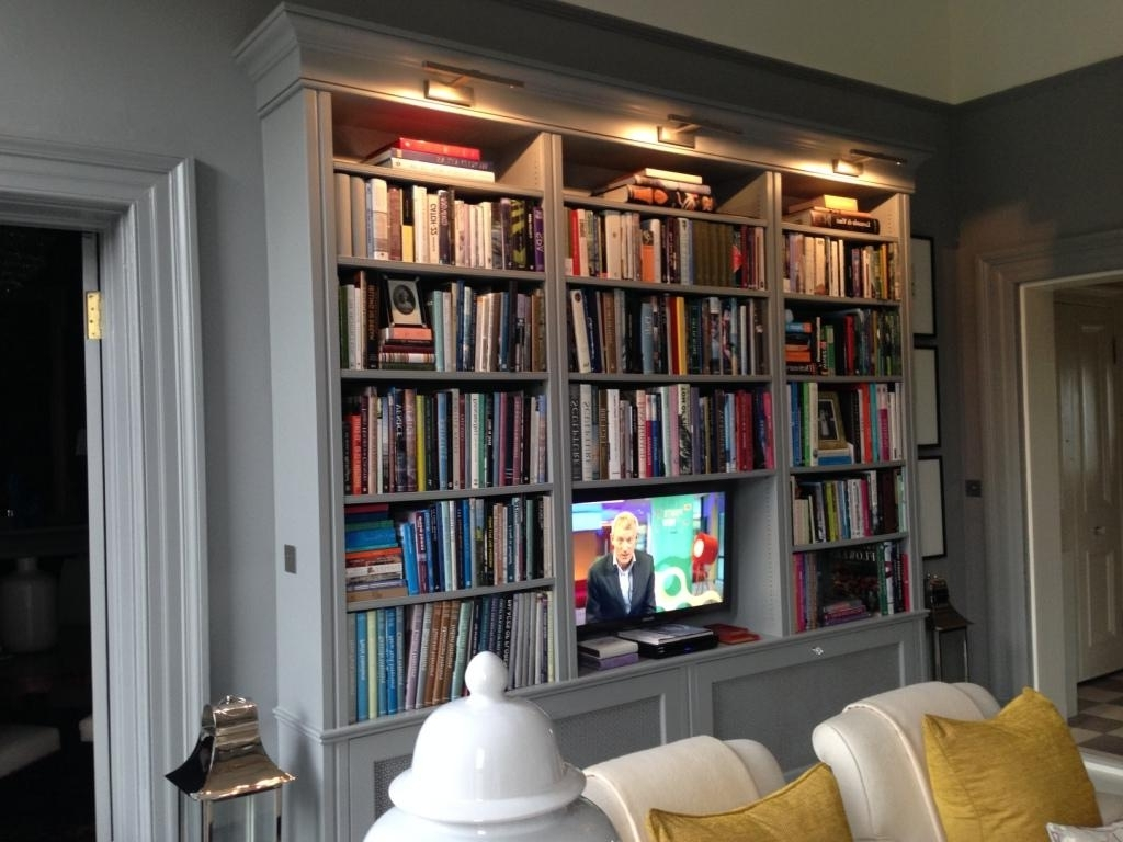 2017 Bookcases In Radiator Cover And Bookcases (View 1 of 15)