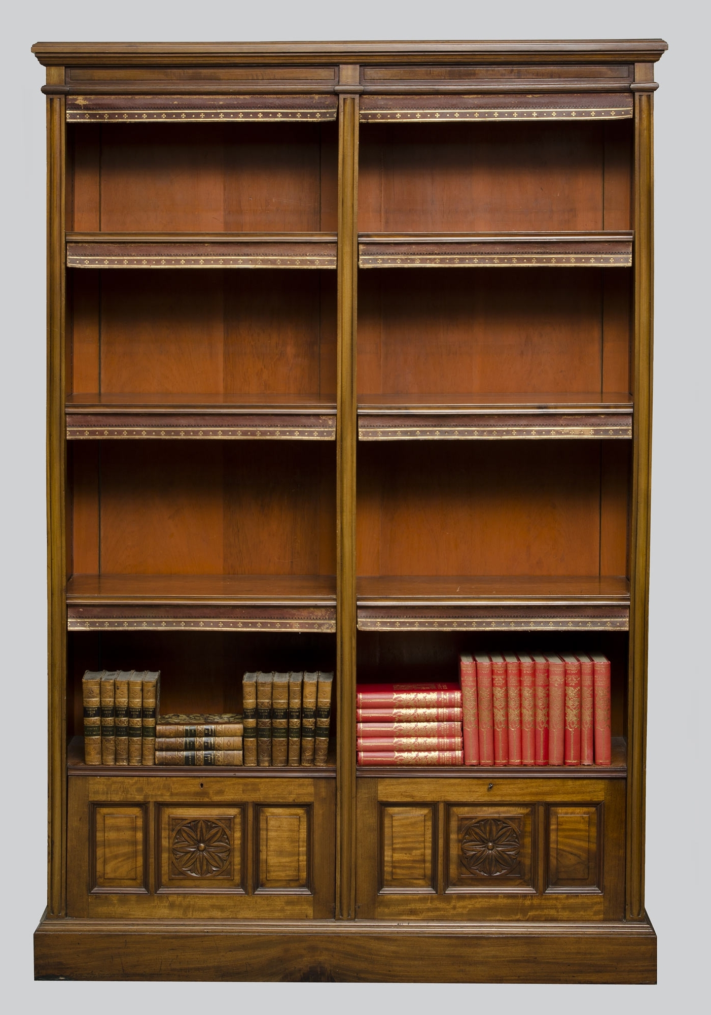 2018 Antique Bookcases To Decorate The Room In Antique Style – Home Decor In Antique Bookcases (View 5 of 15)