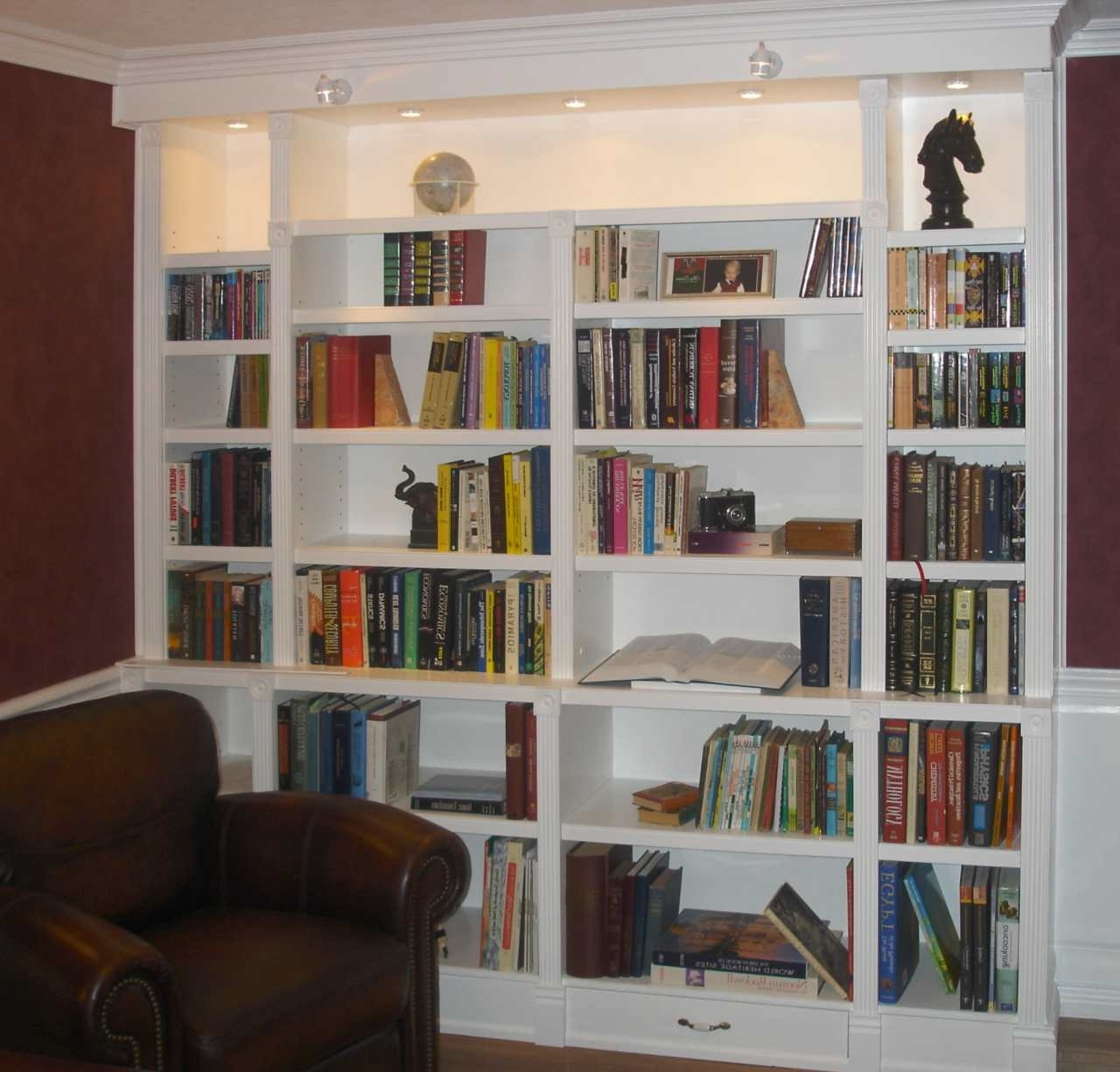 21 Built In White Bookcases, Coffee Table, Mantle,bookshelves Intended For Well Known White Library Bookcases (View 2 of 15)