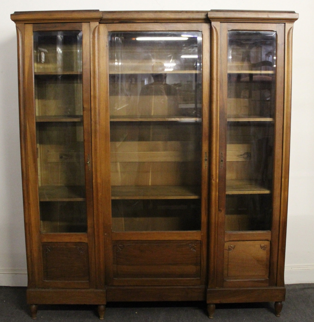 Antique Bookcases (View 11 of 15)