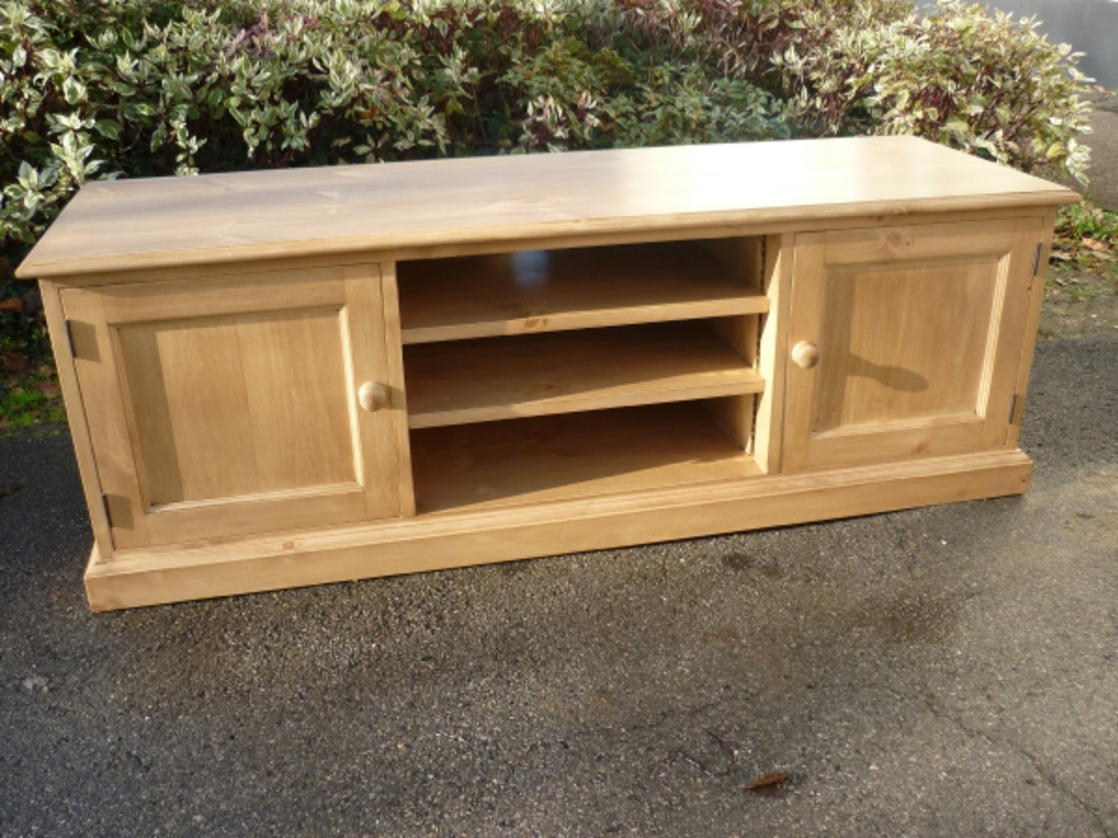 Bespoke Tv Stand With Trendy Tv/entertainment Stands – Pine, Oak, Painted And Bespoke Furniture (View 11 of 15)