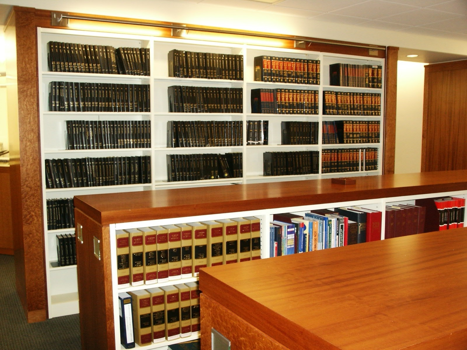 Bookcases With Regard To Trendy Library Shelfs (View 15 of 15)