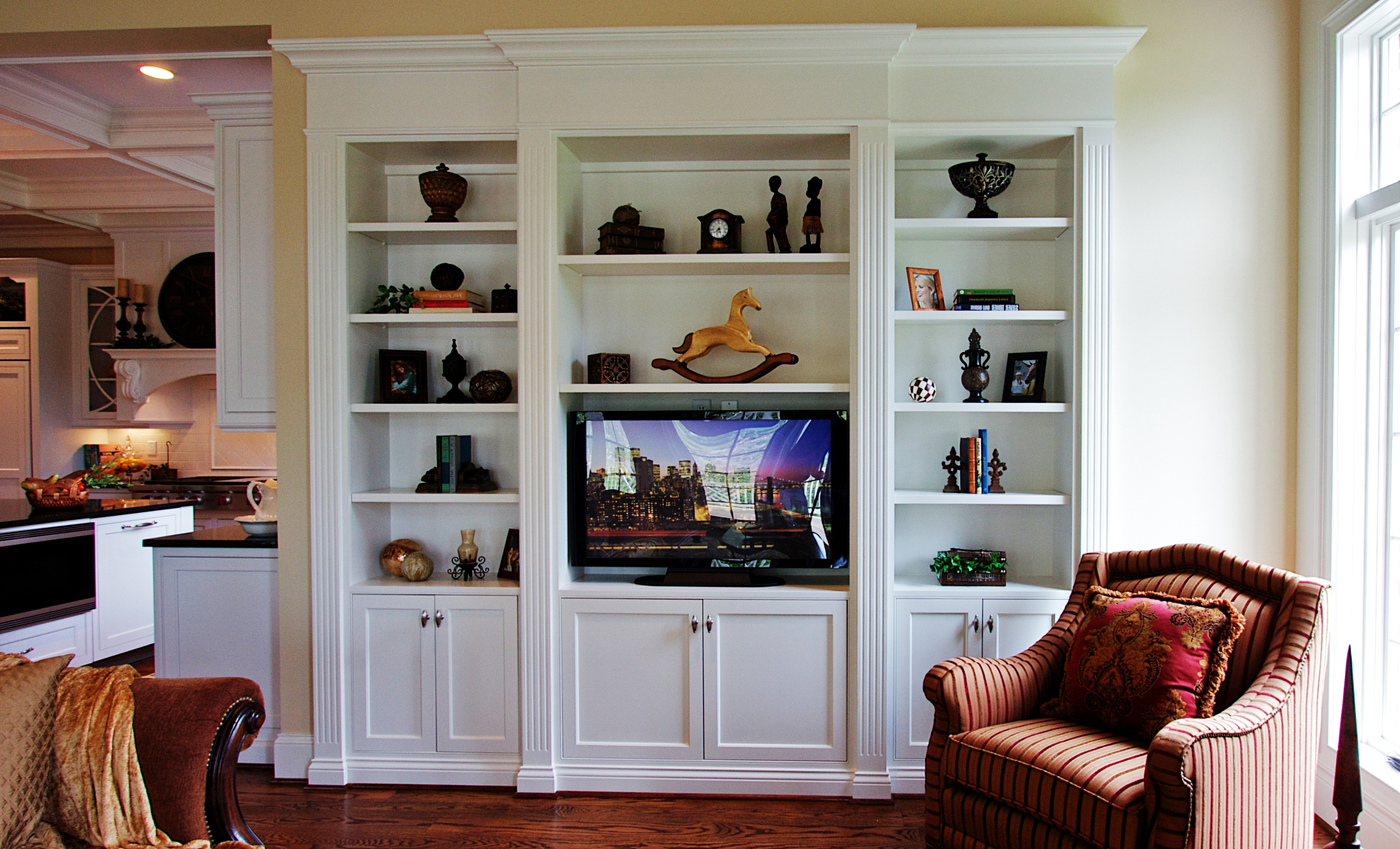 Bookcases With Tv Space Throughout Recent Wall Units (View 10 of 15)