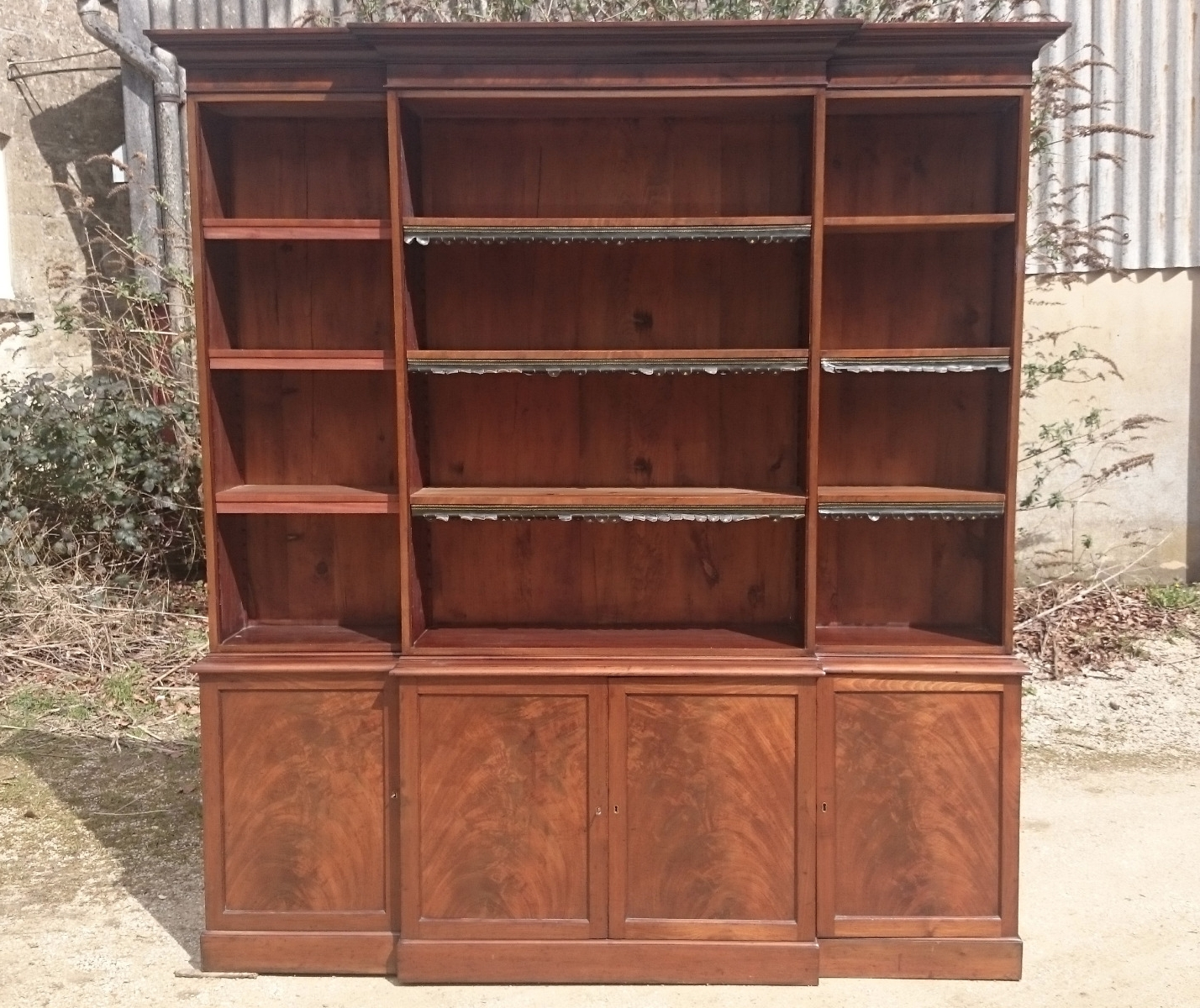 Breakfront Bookcases – Hares Antiques In Well Known Breakfront Bookcases (View 1 of 15)