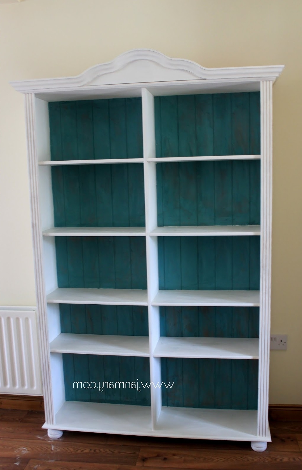 Chalk Paint Bookcases Throughout Popular Bookcase Makeover With Annie Sloan Chalk Paint (View 4 of 15)