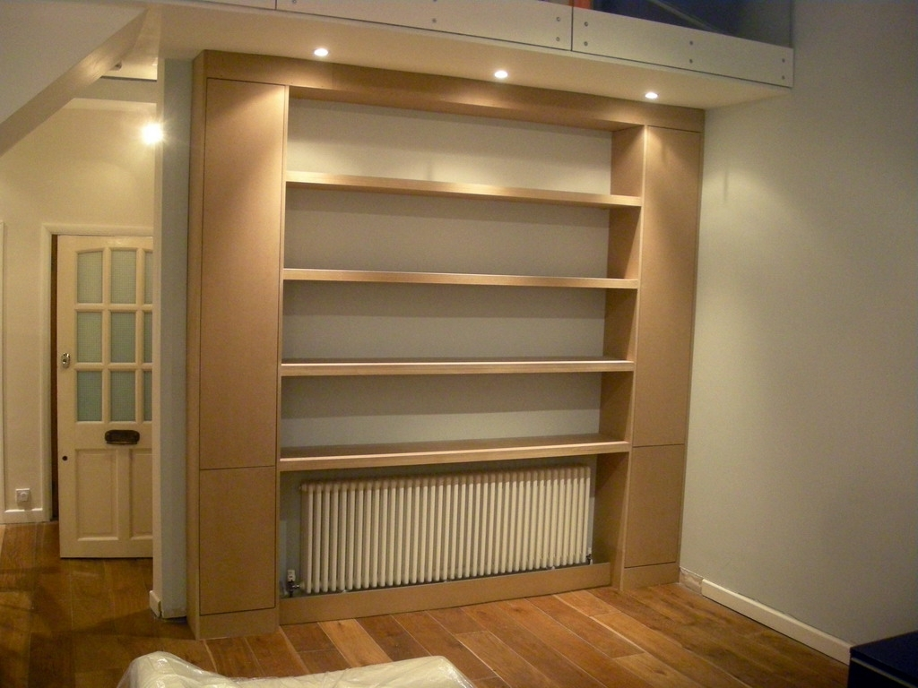 Contemporary Fitted Bookcase Around The Radiator (Finchley For 2017 Fitted Bookcases (View 2 of 15)