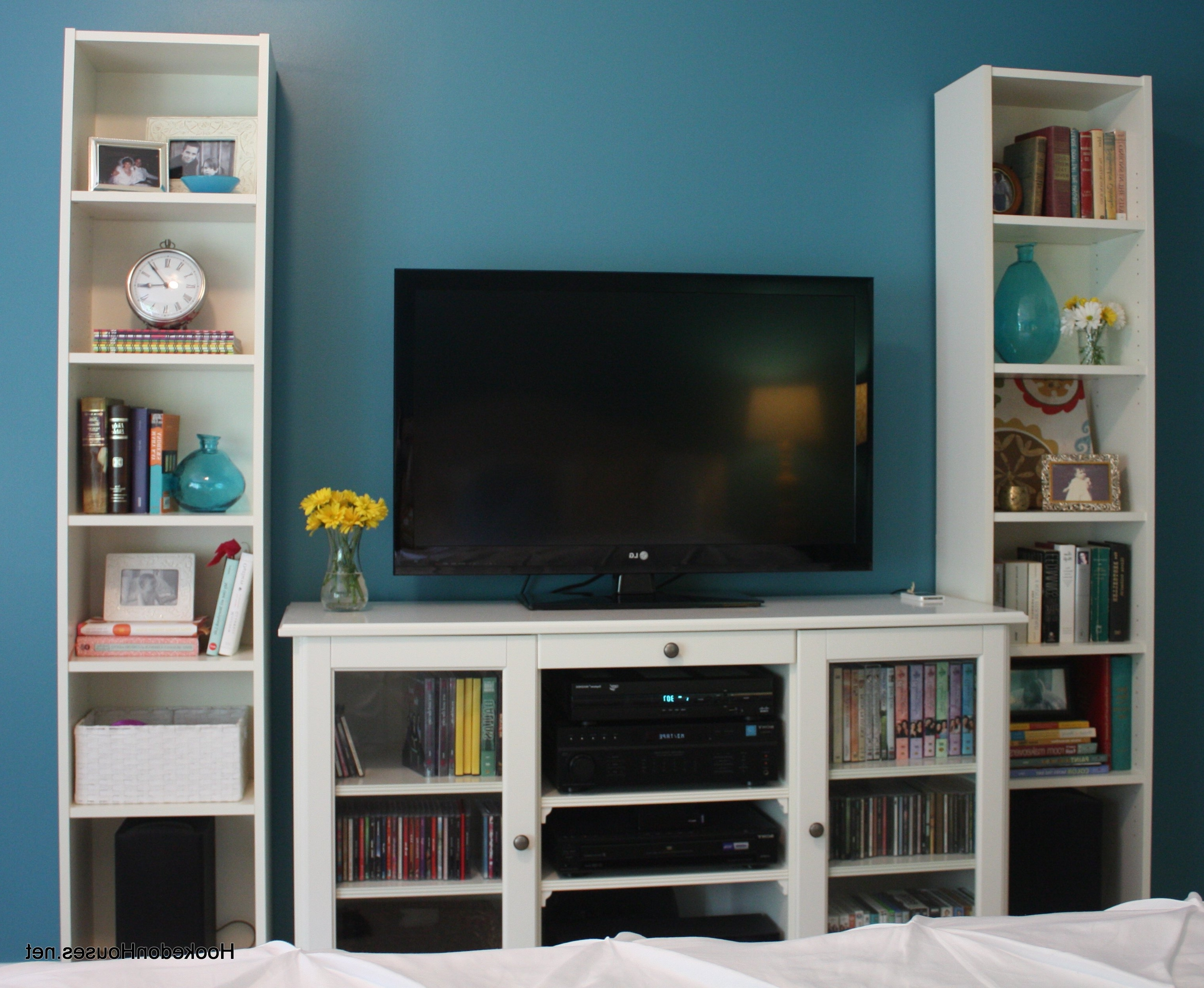Current Bookcases With Tv Space Intended For Bookshelves With Tv Space How To Build Around Fireplace Turn (View 7 of 15)