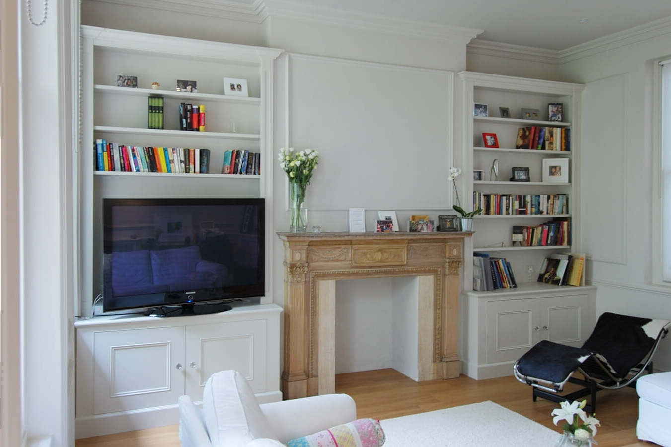 Current Fitted Shelves And Cupboards Regarding Custom Made Living Rooms (View 12 of 15)