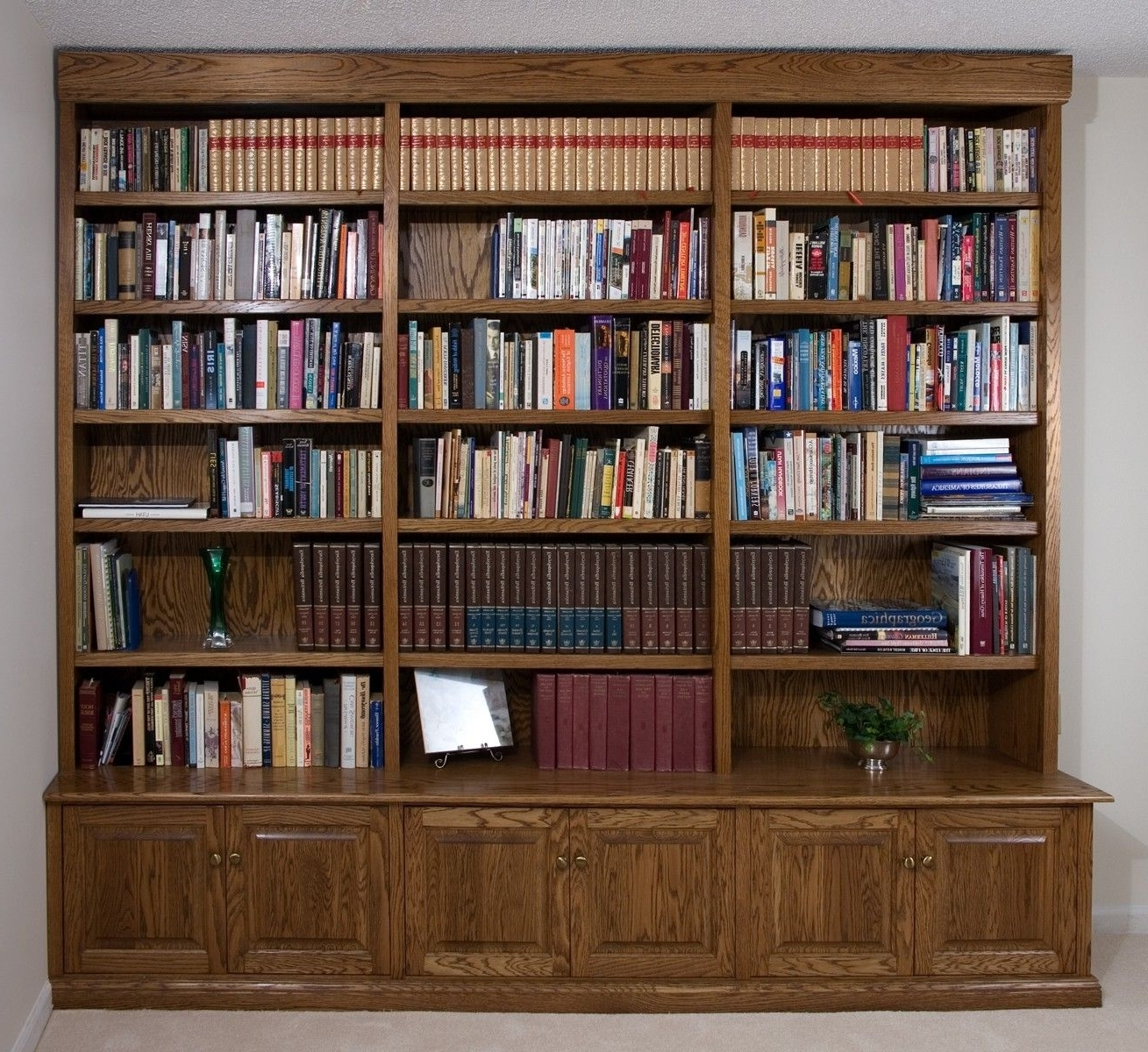 Custom Made Build In Oak Bookcase With Fashionable Custom Made Bookshelves (View 5 of 15)