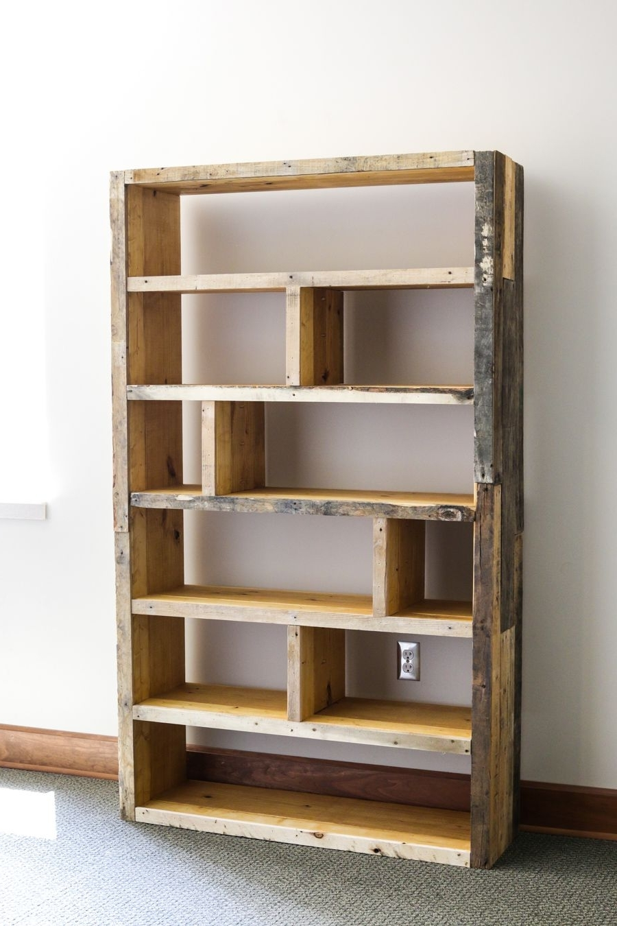 Diy Bookcases In Current Diy Rustic Pallet Bookshelf (View 3 of 15)