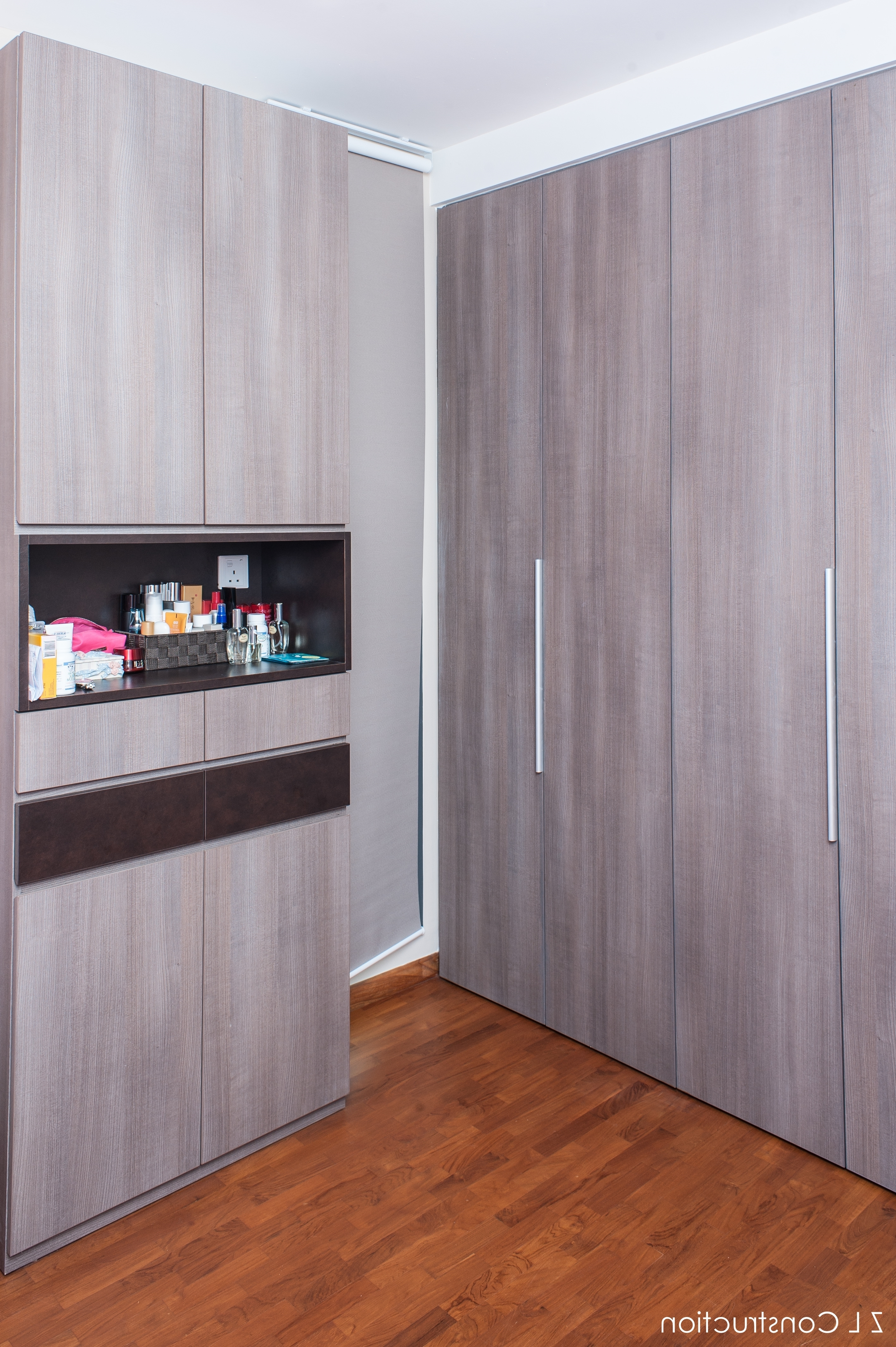 Famous Z L Construction (Singapore) \\ Wood Grained Laminated Wardrobe With Regard To Solid Dark Wood Wardrobes (View 5 of 15)