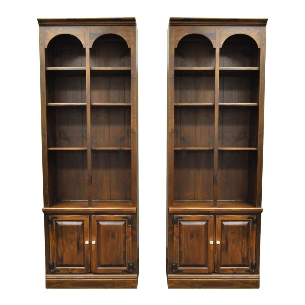 Featured Photo of Ethan Allen Bookcases