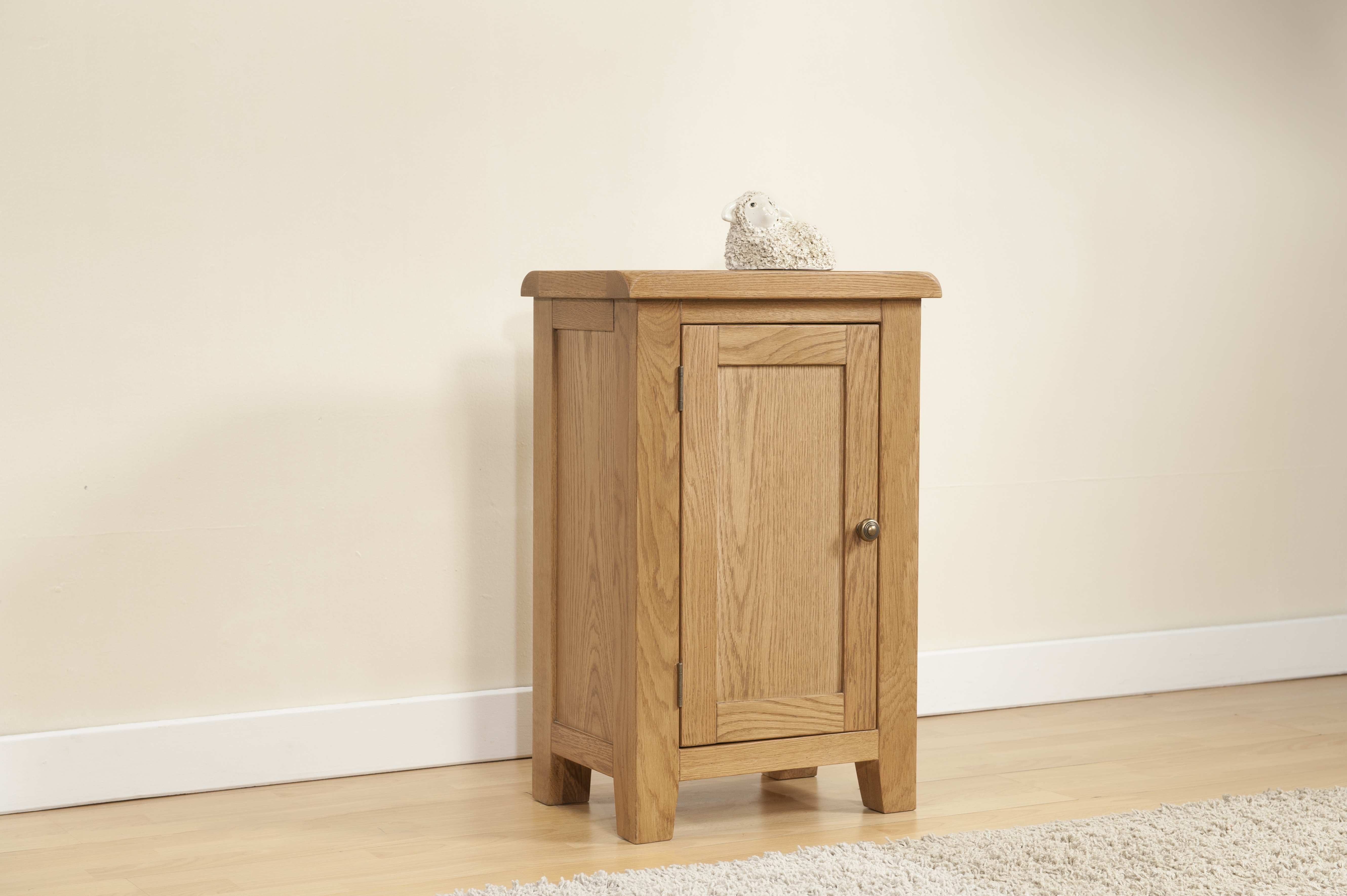 Favorite Small Oak Cupboard Throughout Shrewsbury Oak Small Cabinet With 1 Door (View 12 of 15)