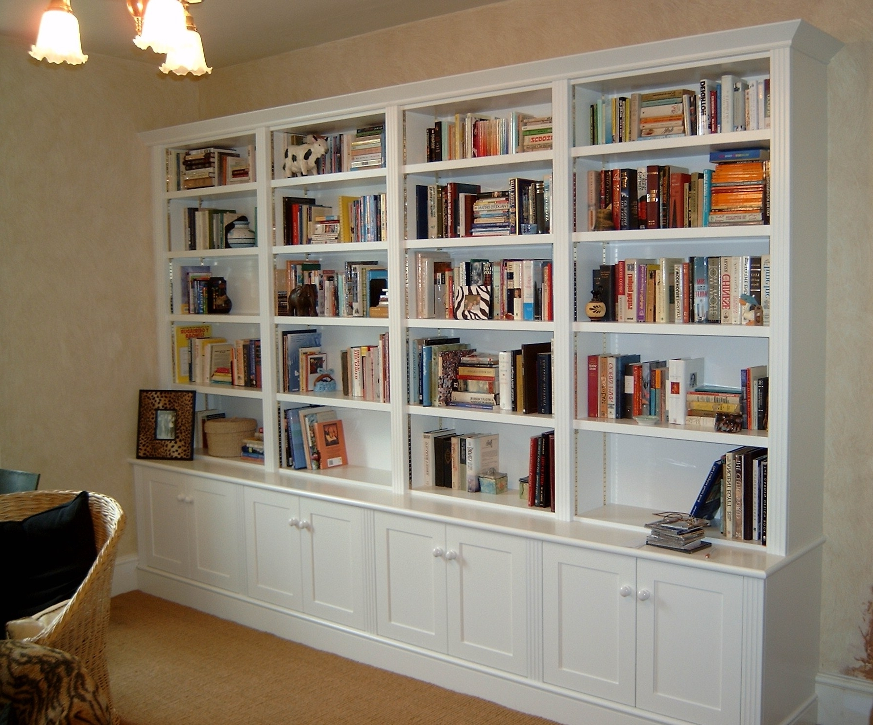Favorite White Library Bookcases In Home Library Design Ideas (View 6 of 15)