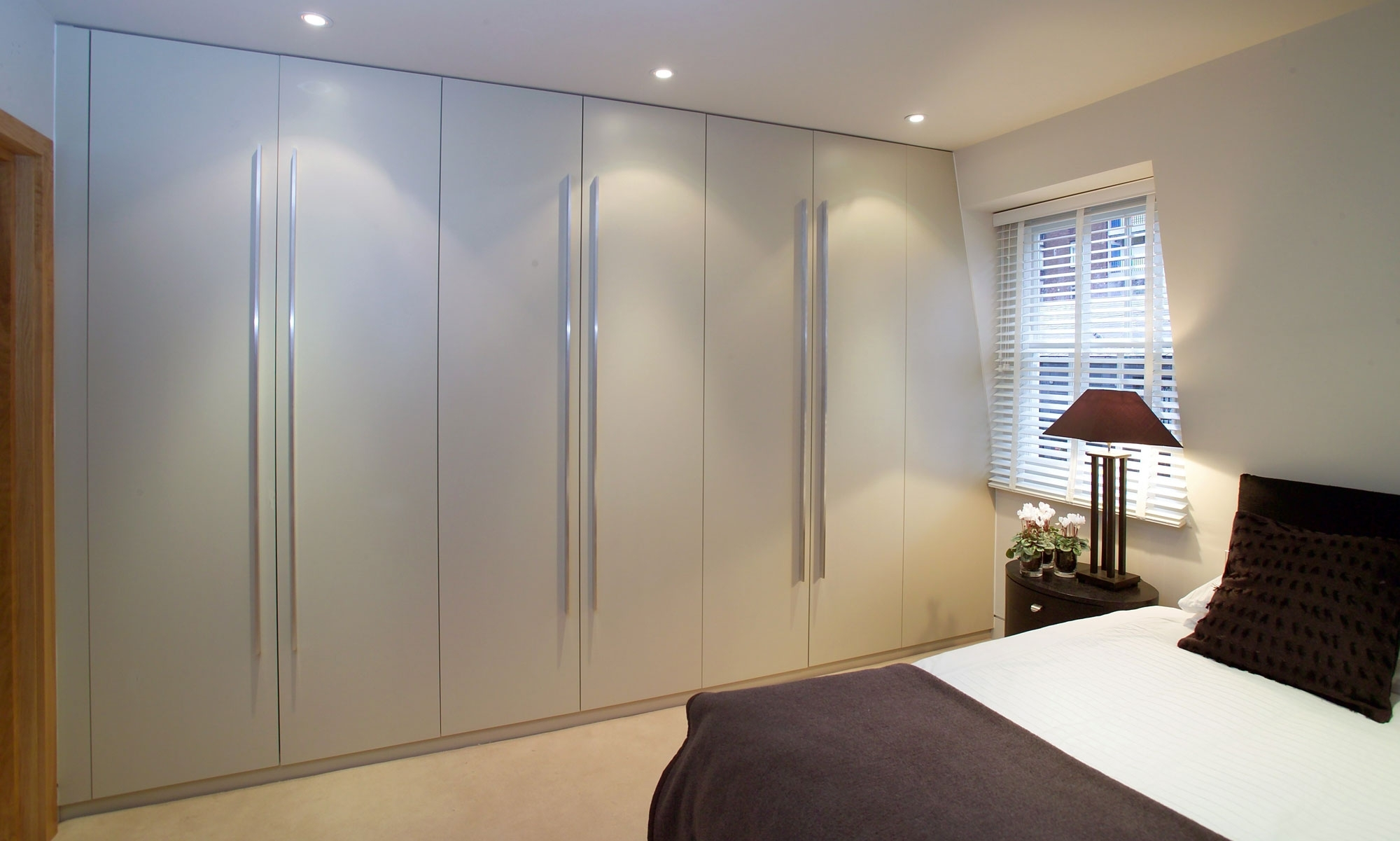 Fitted Wardrobes London With 2017 Bespoke Built In Furniture (View 8 of 15)