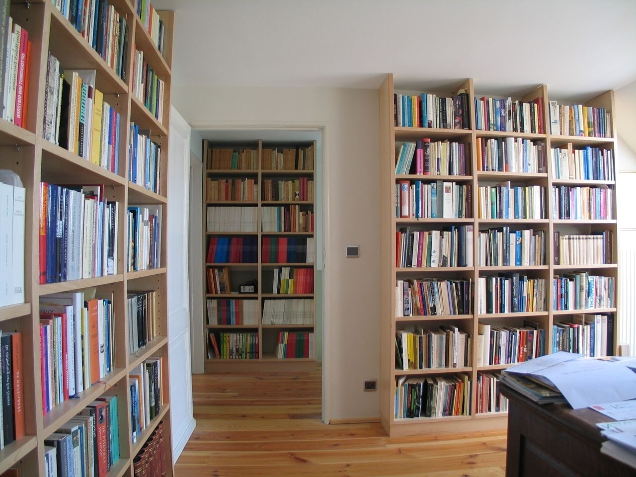 Floor To Ceiling Bookcases With Regard To Latest Wall To Ceiling Bookshelves (View 9 of 15)