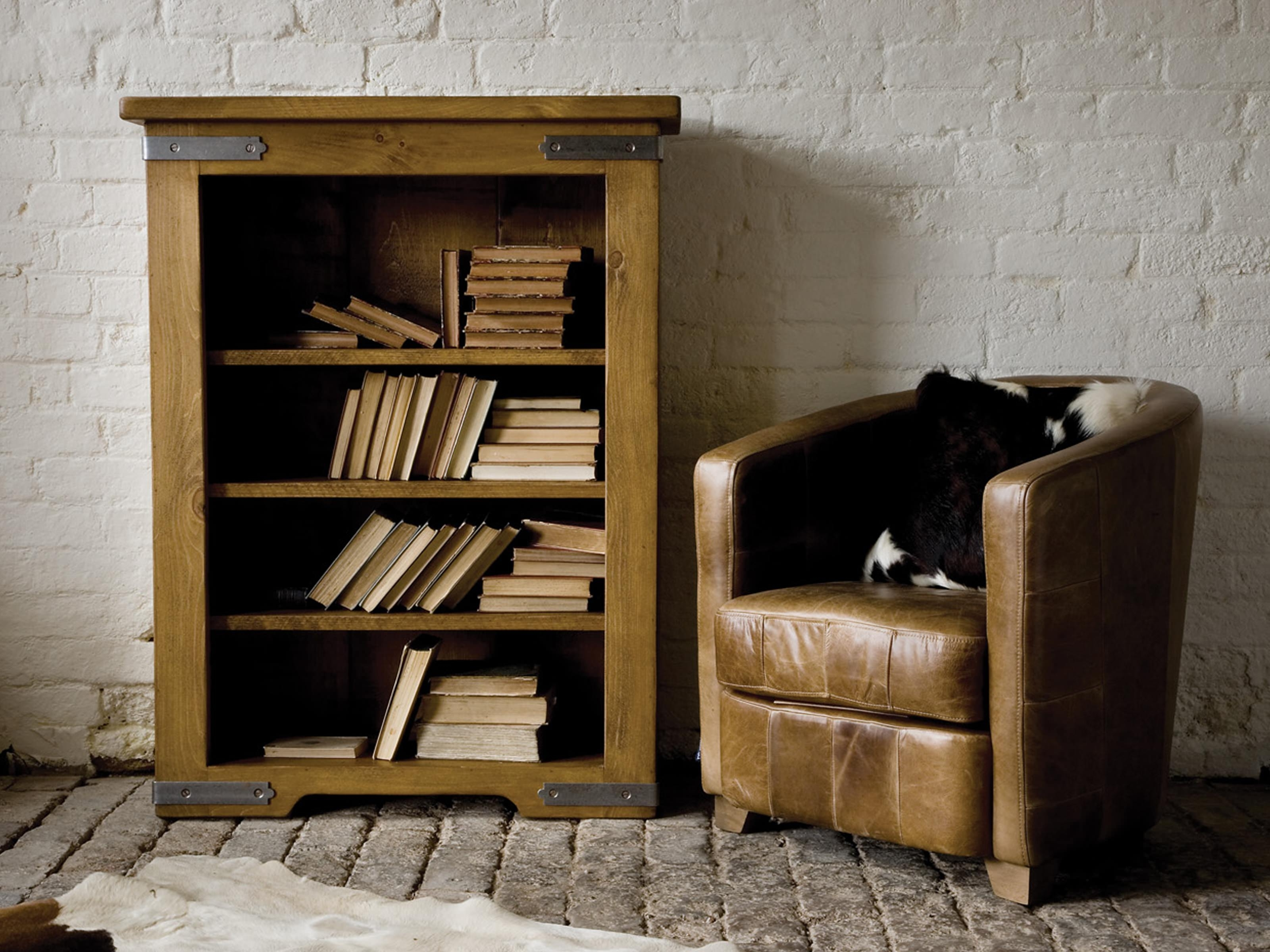 Furniture: Remarkable Low Bookcase For Your Book Storage Ideas Throughout Newest Classic Bookshelves (View 7 of 15)