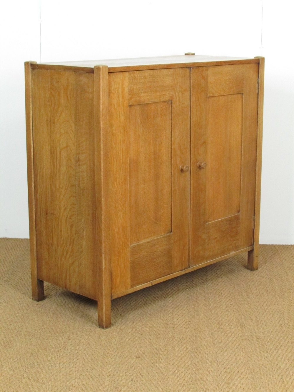 Heal's Arts & Crafts Oak Linen Cupboard – Antiques Atlas Regarding Most Up To Date Oak Linen Cupboard (View 6 of 15)