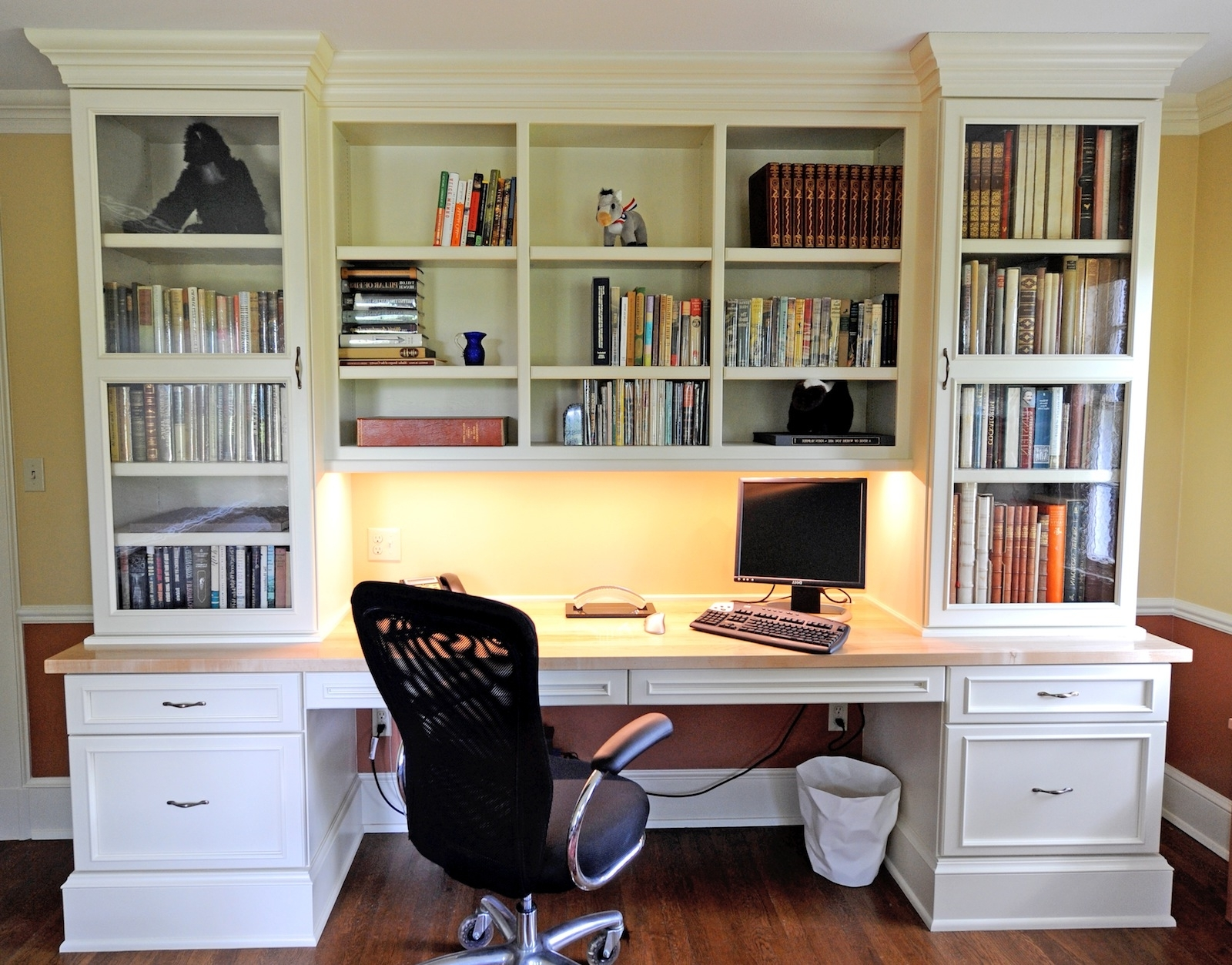 Large White Wooden Bookshelf With White Wooden Drawers And Desk In Most Recent Study Bookshelves (View 9 of 15)