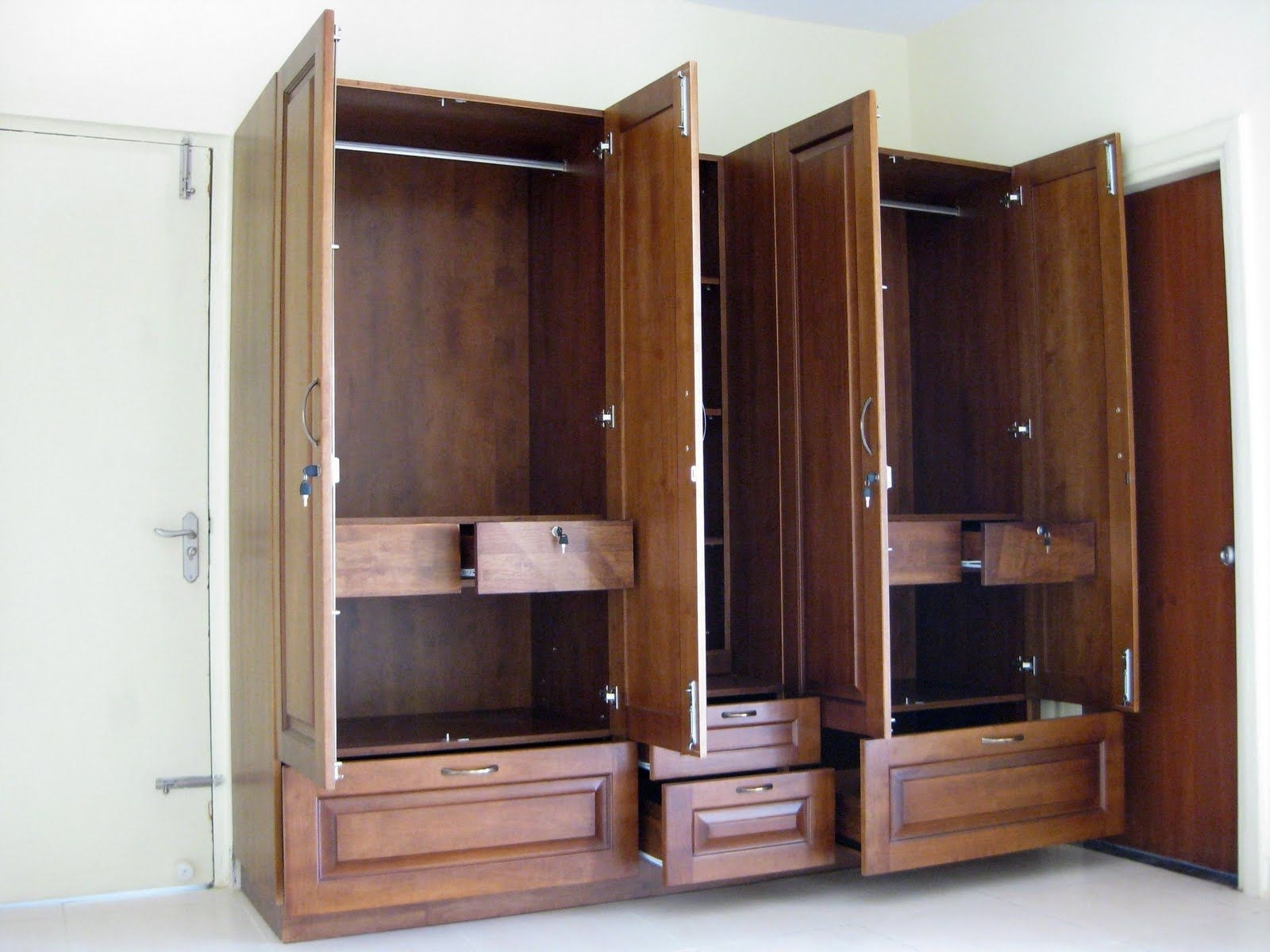 Large Wooden Wardrobes Throughout Preferred Pleasing Wardrobe Furniture Designs » Photo 483 Interior Space (View 6 of 15)