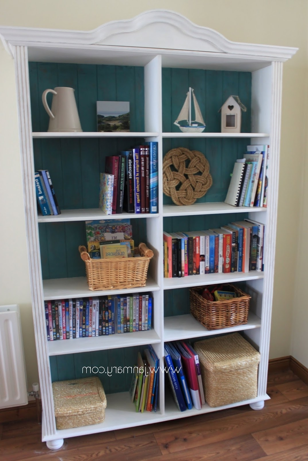Latest Chalk Paint Bookcases Inside Bookcase Makeover With Annie Sloan Chalk Paint (View 8 of 15)