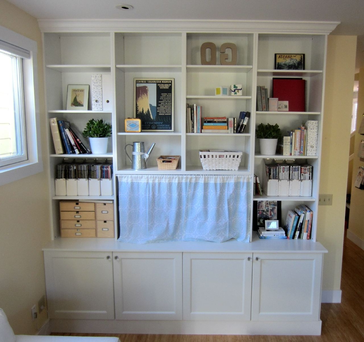 Most Current Ikea Hack 2: Besta Built In Family Room Tv Bookshelf – Shirley Within Bookshelves With Tv Space (View 7 of 15)