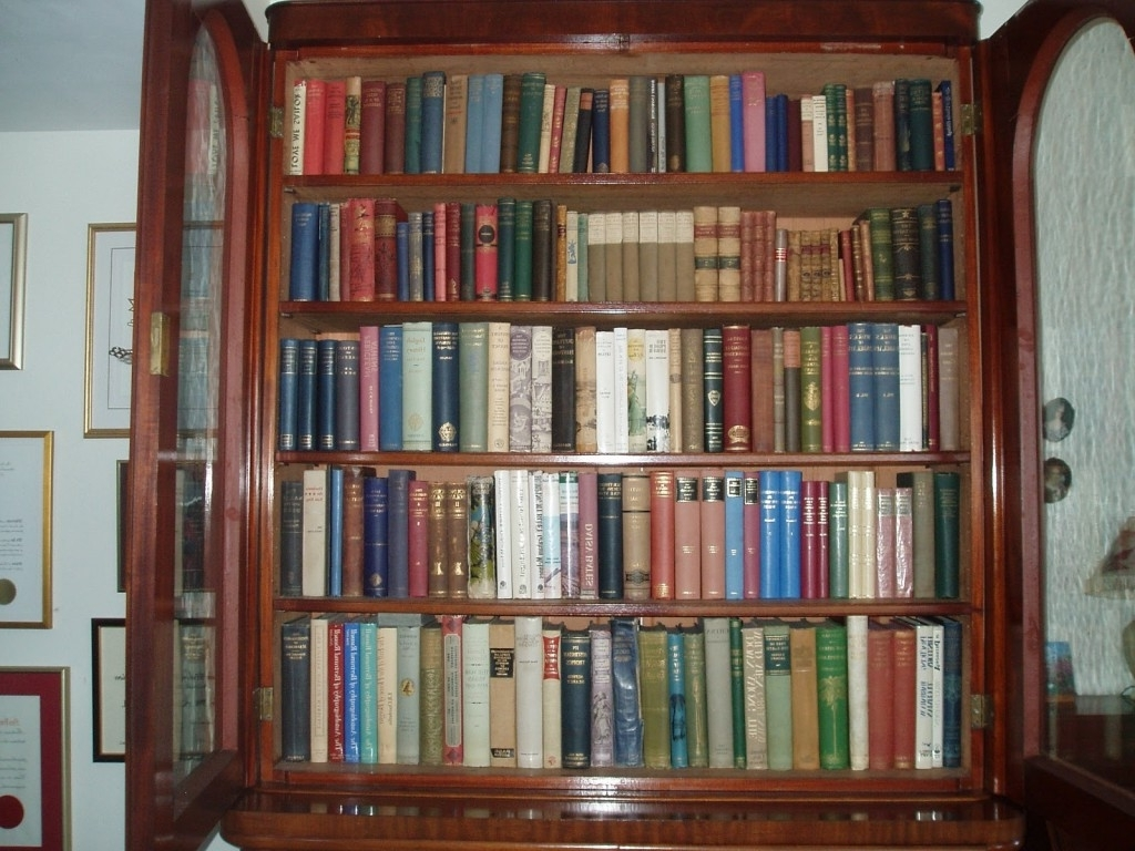 Most Popular Bookshelves As Room Dividers With Classic Large Wooden Rack With Inside Classic Bookshelves Design (View 11 of 15)