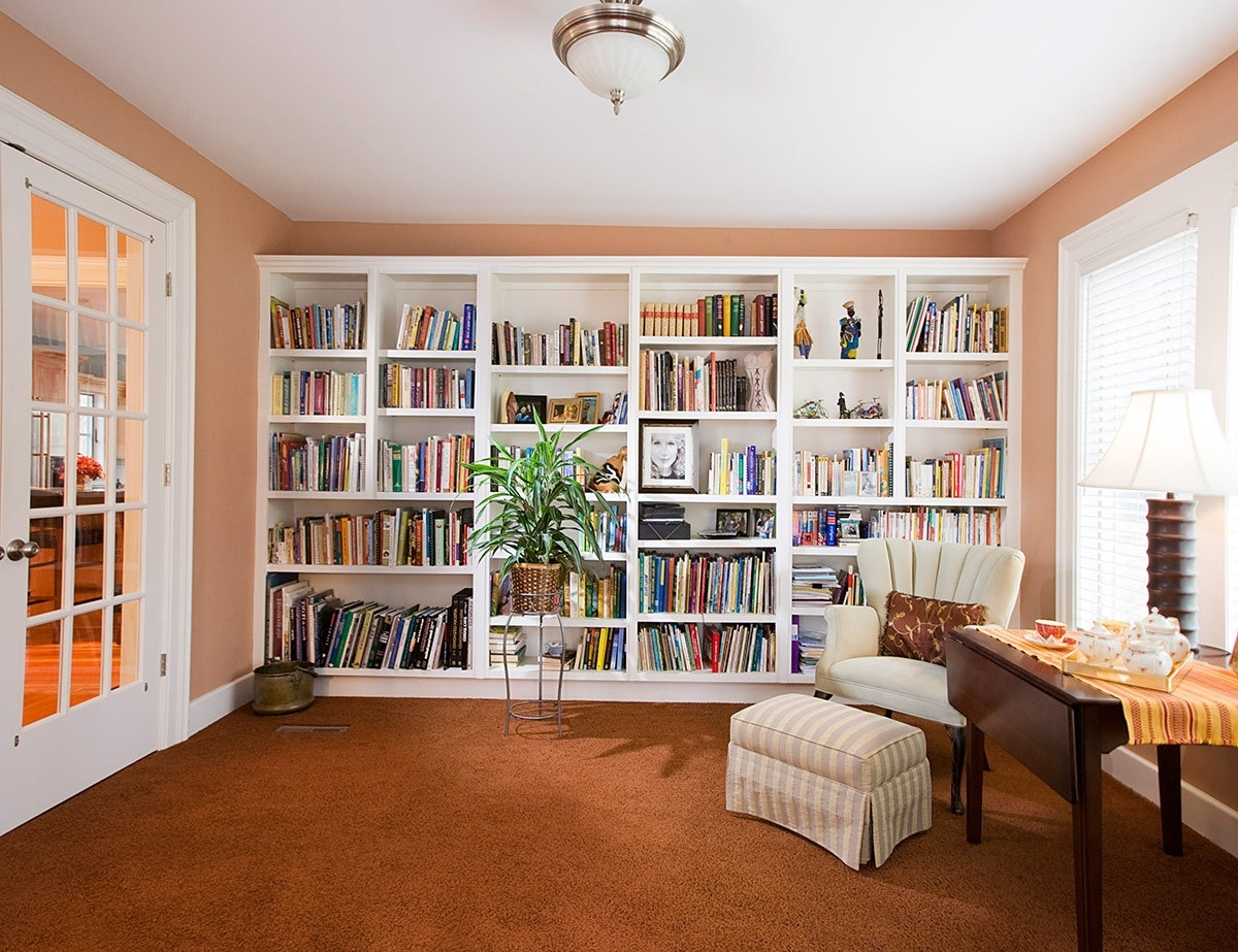 Most Up To Date Giant White Bookshelf Fits Over The Whole Wall Space In Mdoern With Regard To Whole Wall Shelving (View 6 of 15)
