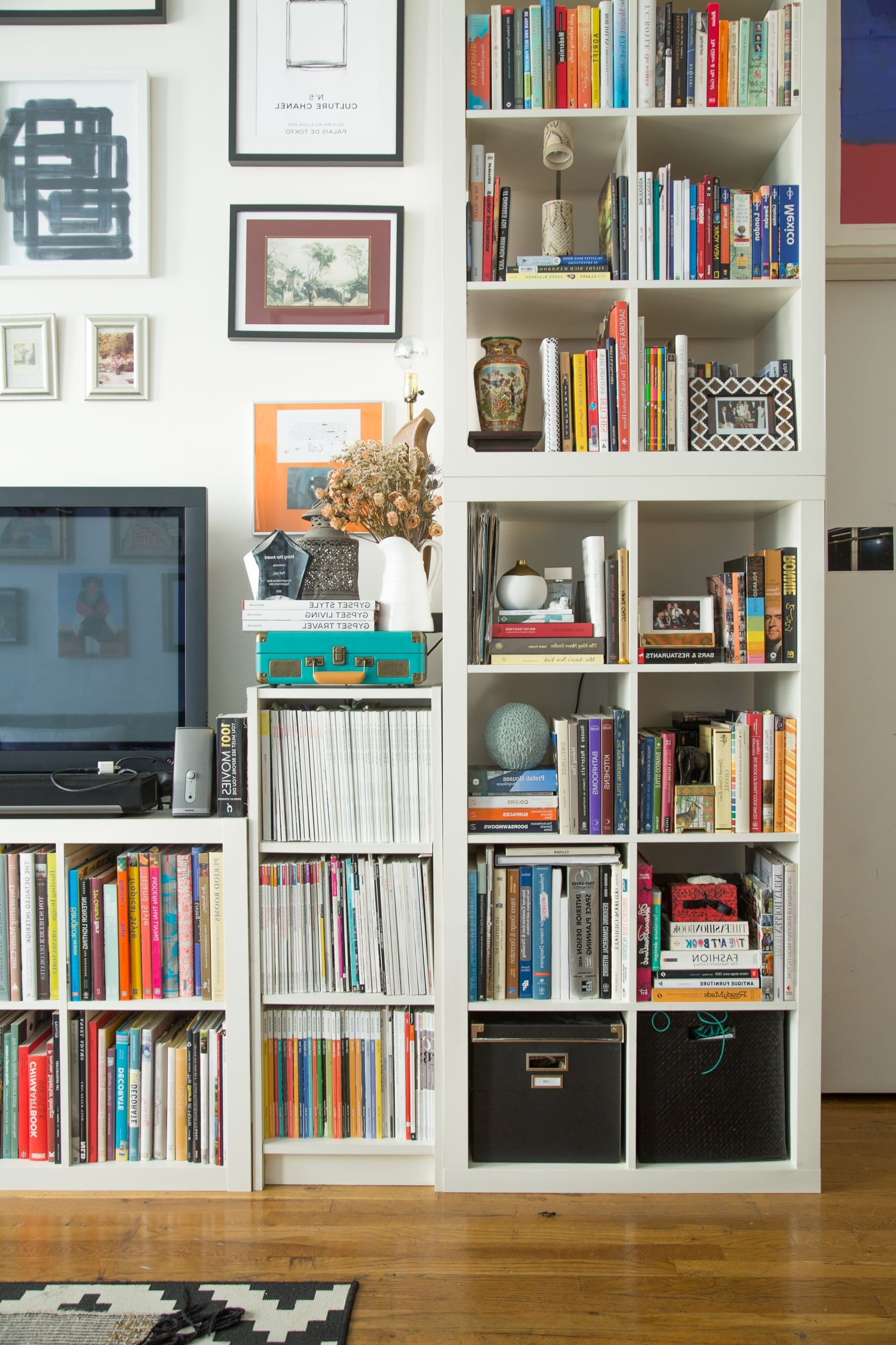 Preferred Bookcases Cover Inside 15 Super Smart Ways To Use The Ikea Kallax Bookcase (View 8 of 15)
