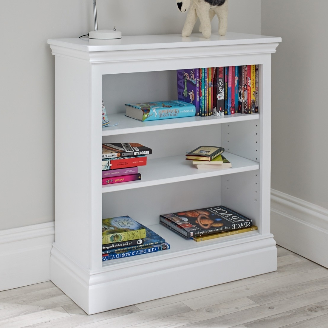 Small White Bookcases In Fashionable Small White French Bookcase With Glass Doorssmall Doors Furniture (View 12 of 15)