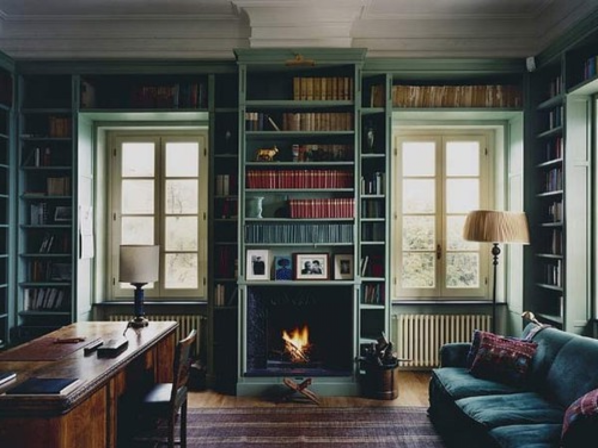 Traditional Bookshelves Designs For Best And Newest Fireplace Bookshelf Traditional Living Room Design Interior (View 10 of 15)