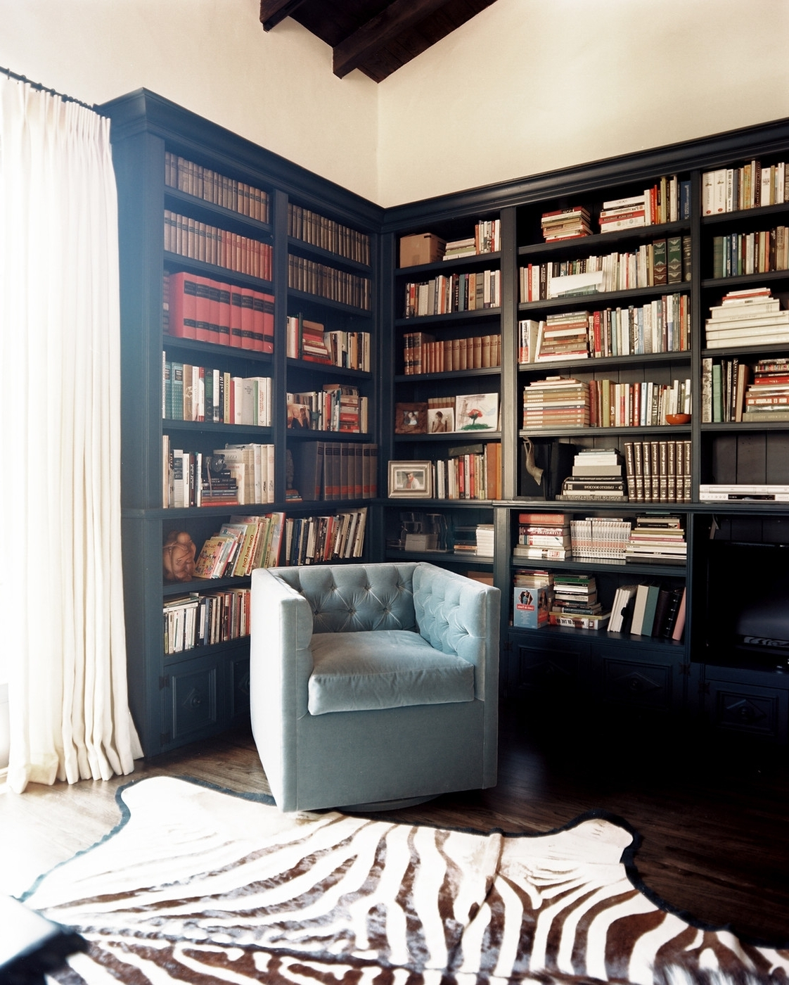 Traditional Bookshelves With Regard To Recent Built In Bookcases Photos, Design, Ideas, Remodel, And Decor – Lonny (View 10 of 15)