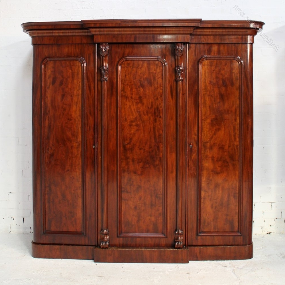 Victorian Mahogany Three Door Breakfront Wardrobe – Antiques Atlas Inside 2018 Victorian Mahogany Breakfront Wardrobes (View 15 of 15)
