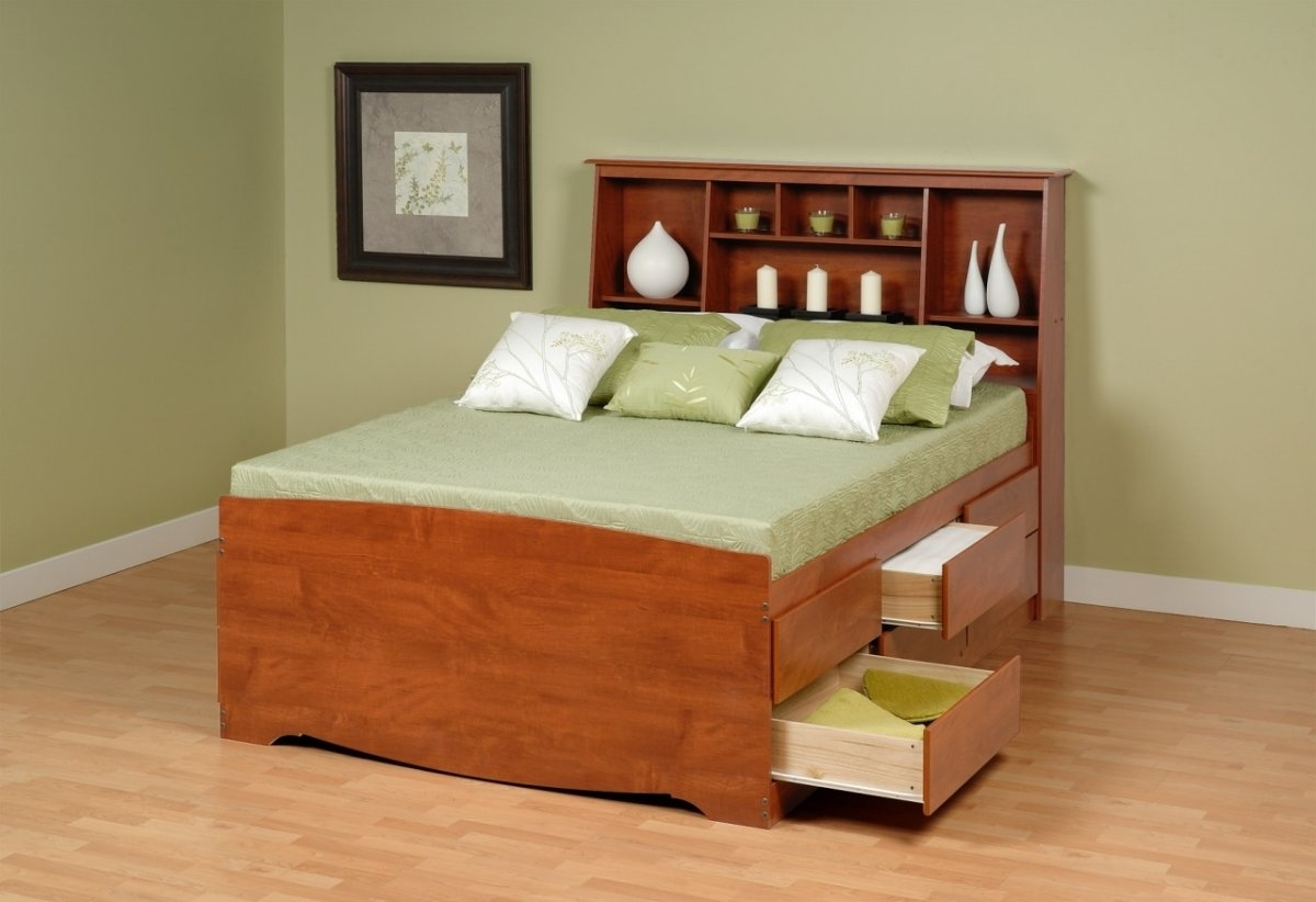 Well Known Full Size Storage Bed With Bookcases Headboard Throughout Minimalist Bedroom With Platform Storage Bed Bookcase Headboard (View 11 of 15)