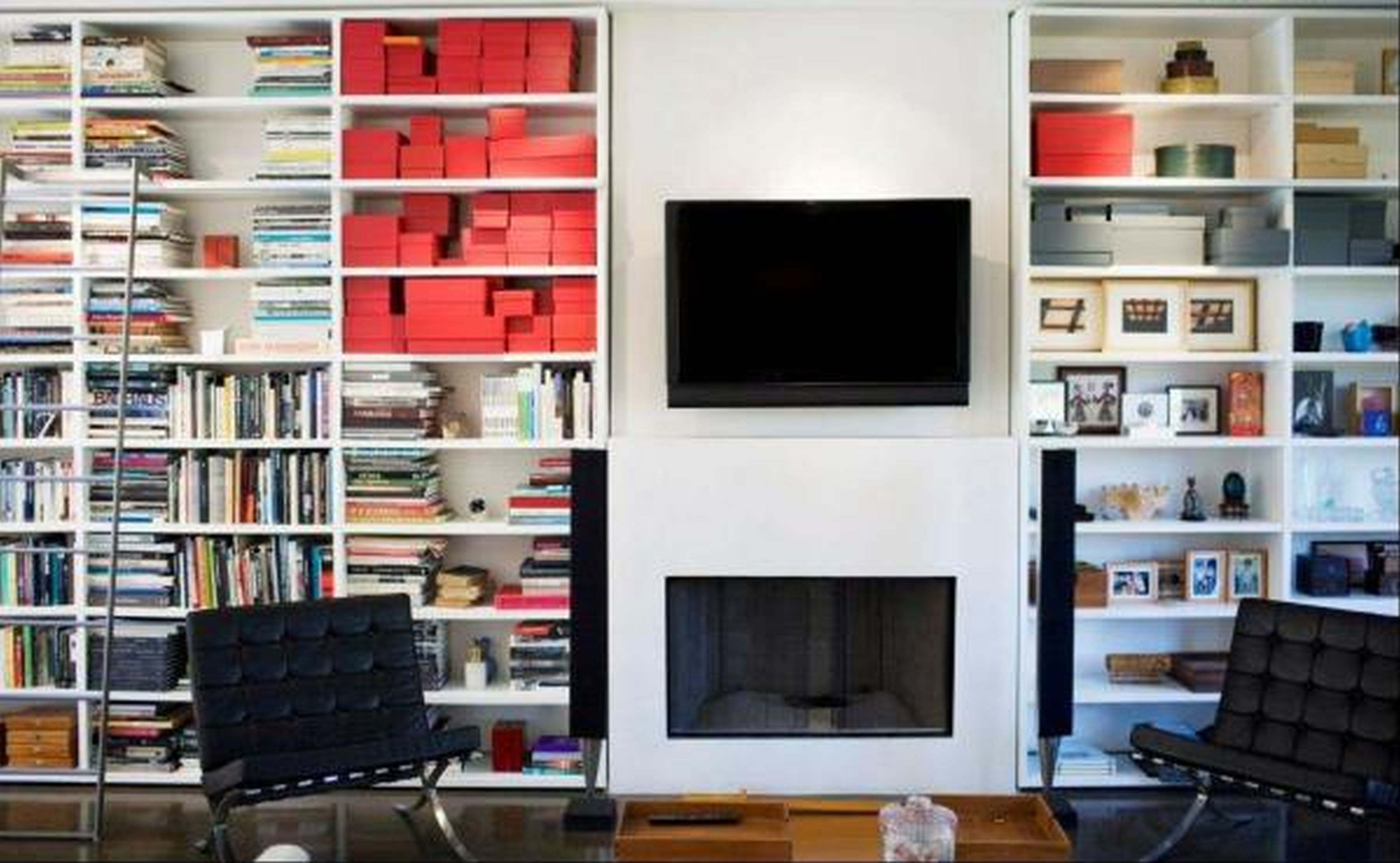 White Mounted Bookshelf On The White Wall With Mounted Tv Unit With Widely Used Tv Book Shelf (View 11 of 15)