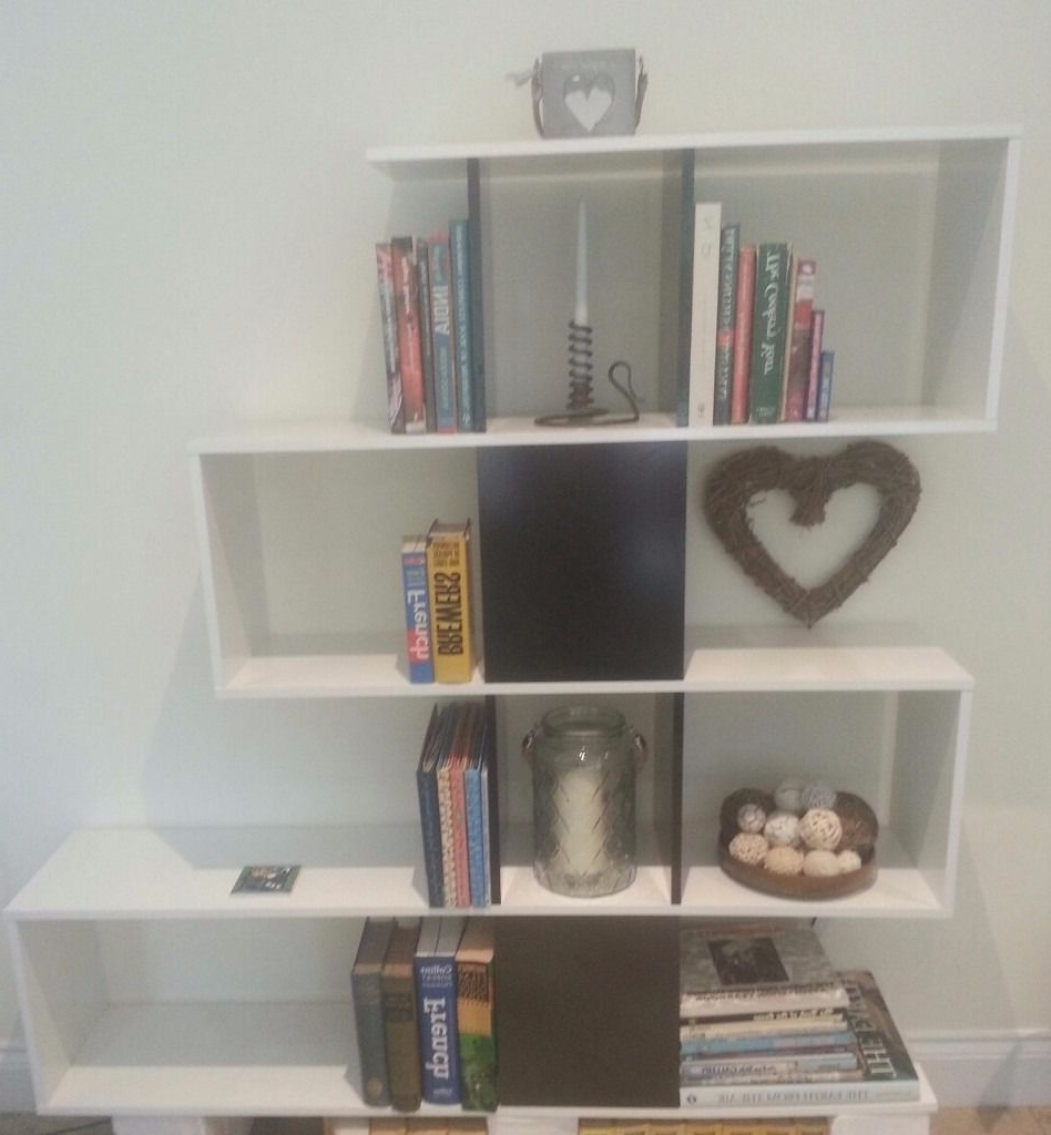 Zig Zag Bookcase/room Divider. Black And White Gloss (Gallery 8 of 15)