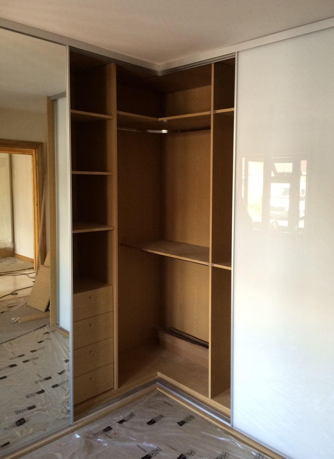 1 Door Corner Wardrobes Regarding 2018 Corner & L Shaped Sliding Wardrobes (Gallery 3 of 15)