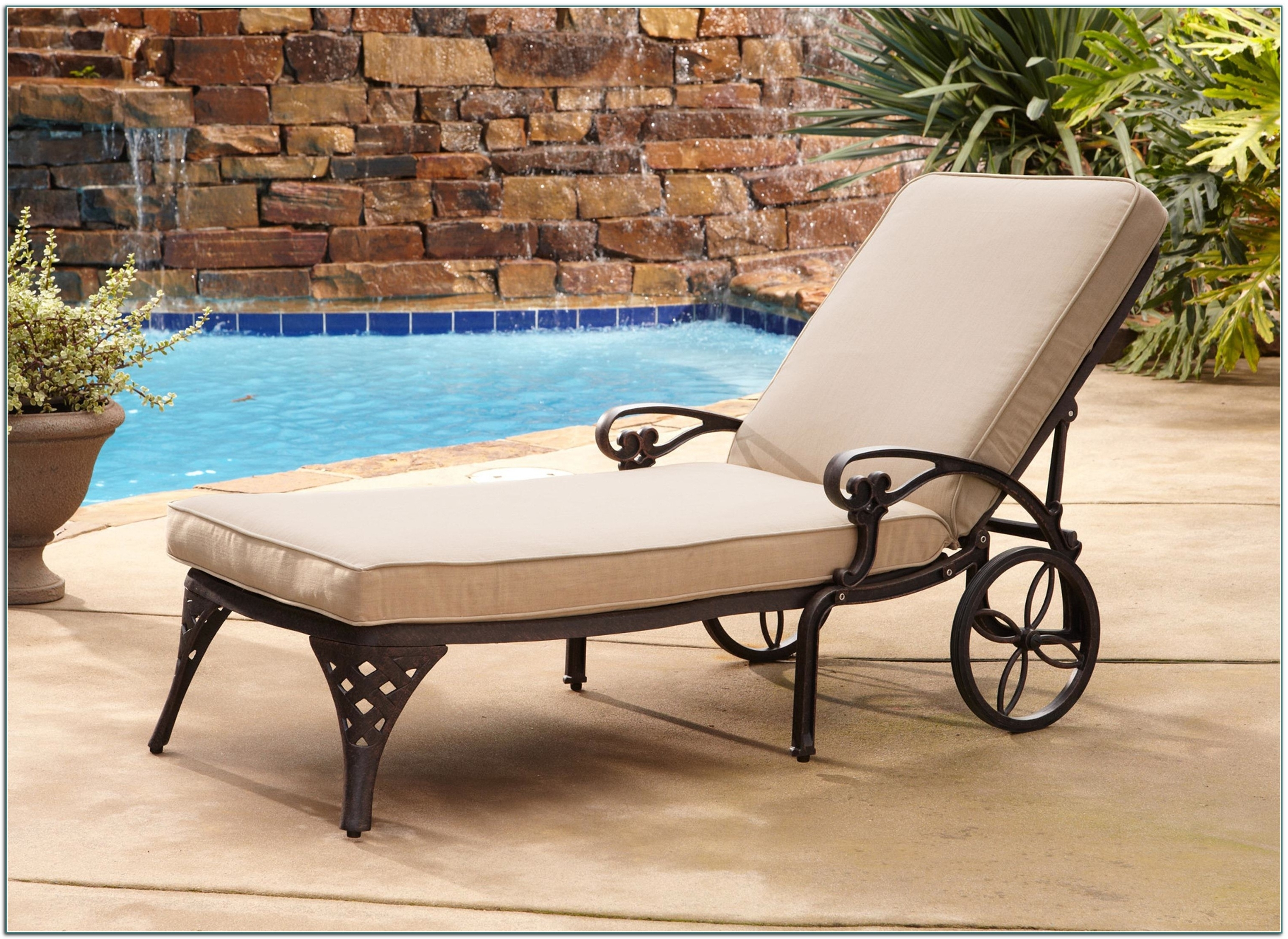 2017 Outdoor Chaise Lounge Chairs At Walmart Within Chaise Lounge Chairs Outdoor Pool • Lounge Chairs Ideas (View 13 of 15)