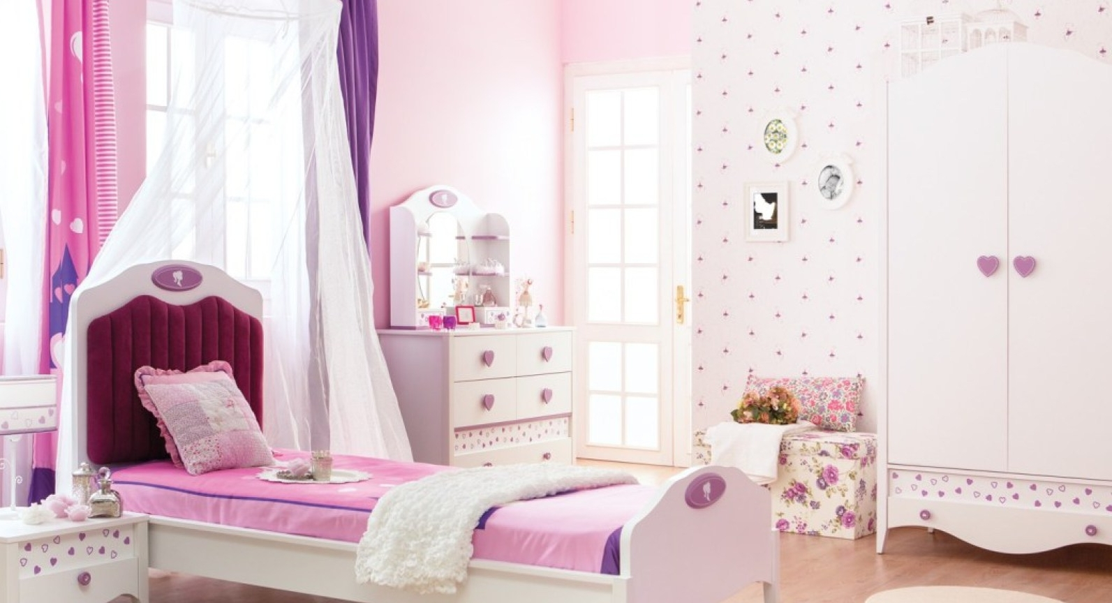 2018 Bedroom : Princess Bedroom Set Uncommon Princess And The Frog Regarding Princess Wardrobes (View 1 of 15)