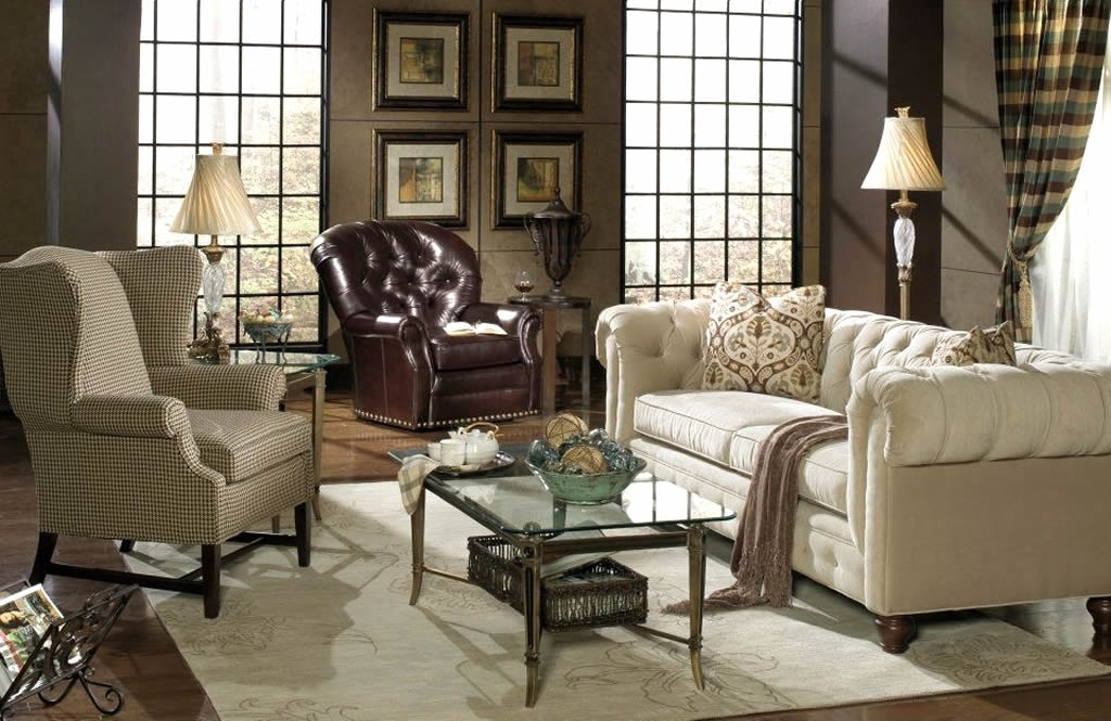 2018 Chesterfield Sofas And Chairs With Regard To Eye For Design: Decorate With The Chesterfield Sofa For Elegance (View 1 of 10)
