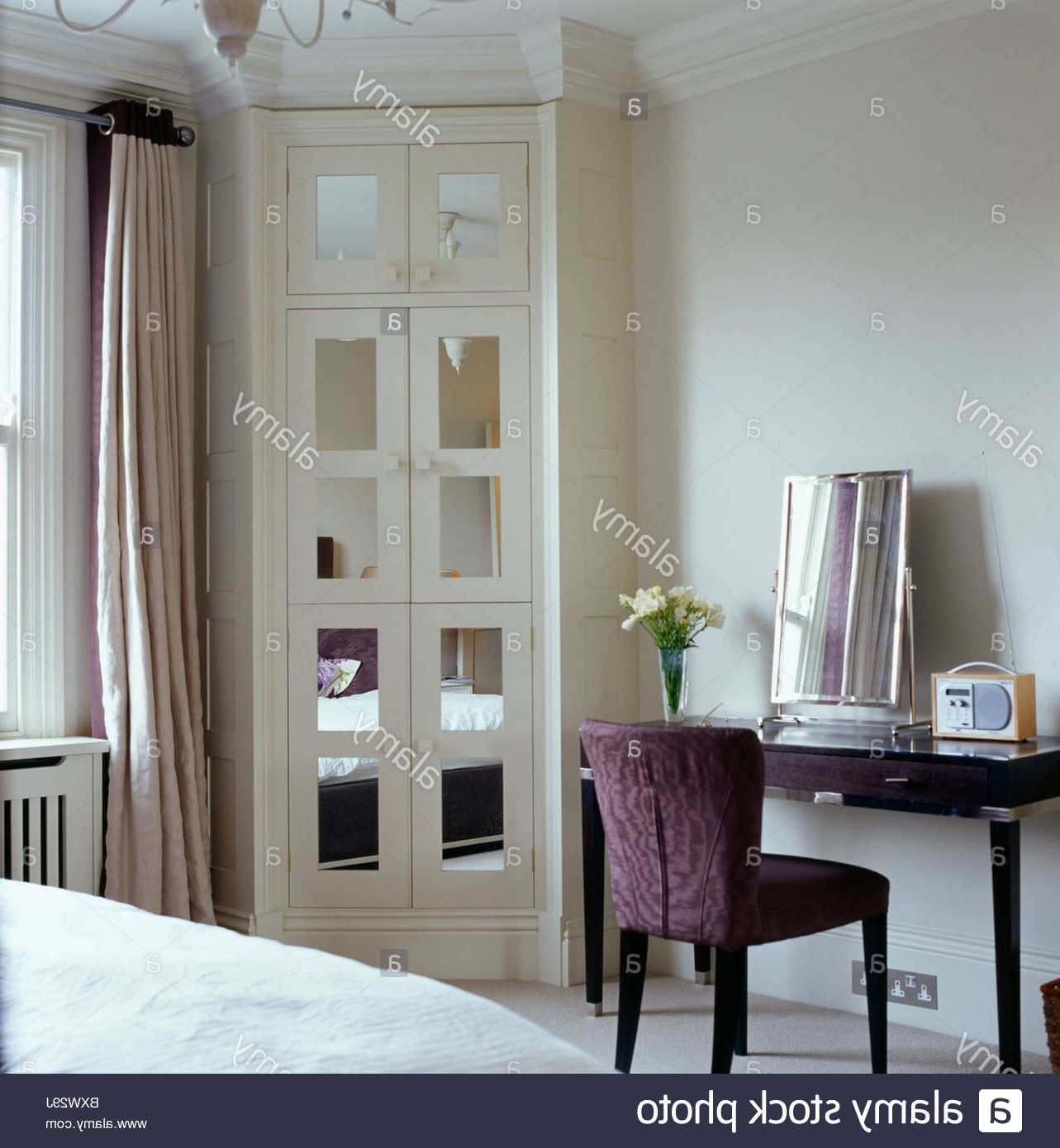 2018 Mirrored Glass Panels In Fitted Corner Wardrobe In Bedroom With For Corner Mirrored Wardrobes (View 13 of 15)