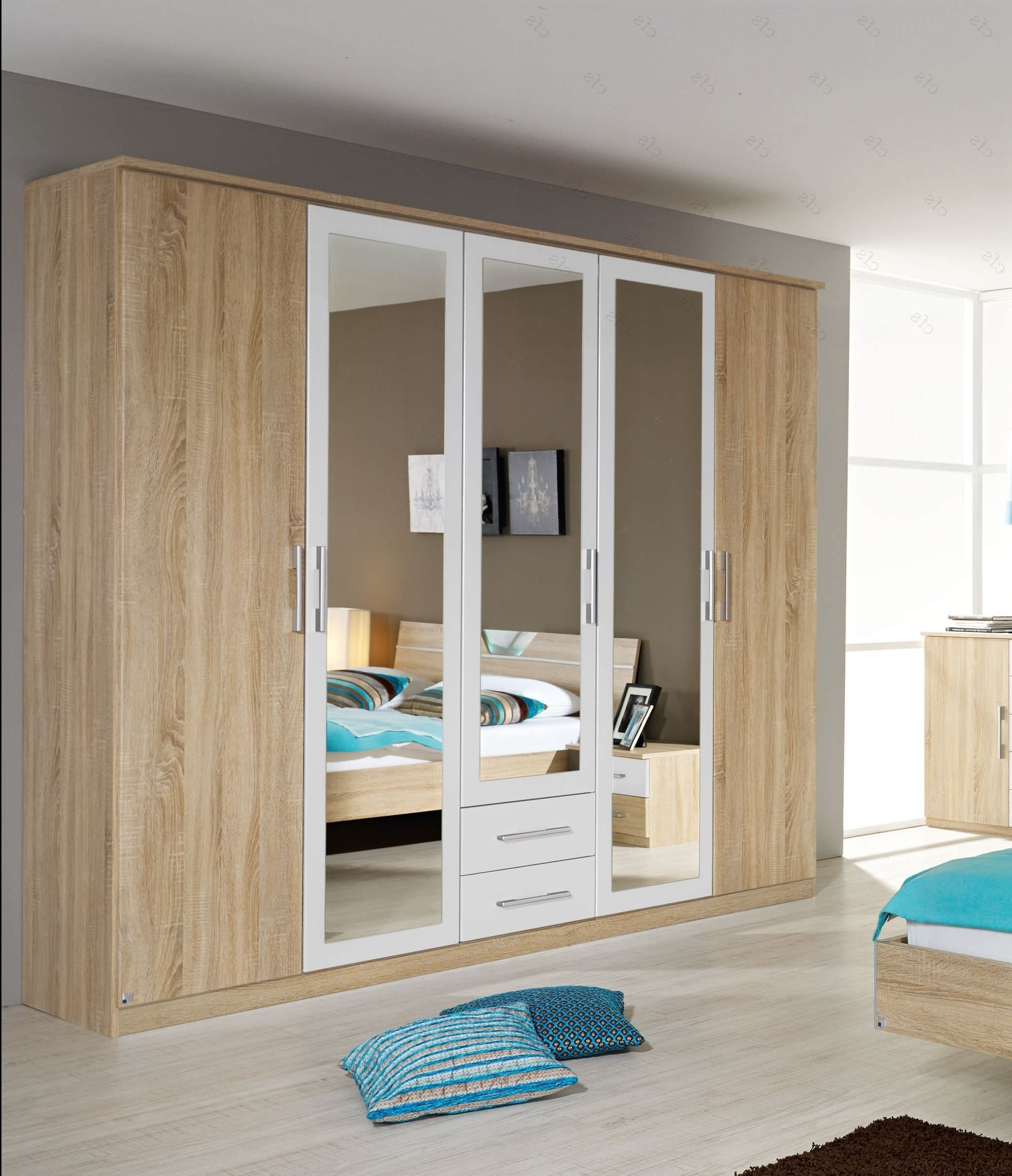 5 Door Wardrobes Bedroom Furniture In Latest 5 Door Wardrobe Bedroom Furniture (View 3 of 15)
