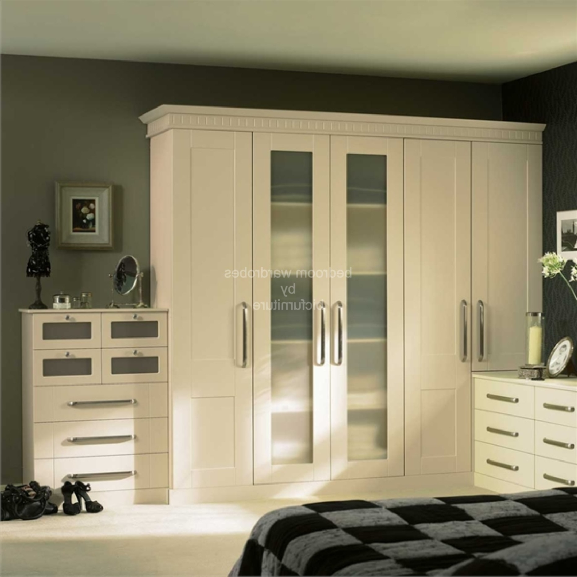5 Door Wardrobes Bedroom Furniture Regarding Most Up To Date 5 Door Wardrobe Bedroom Furniture (View 5 of 15)