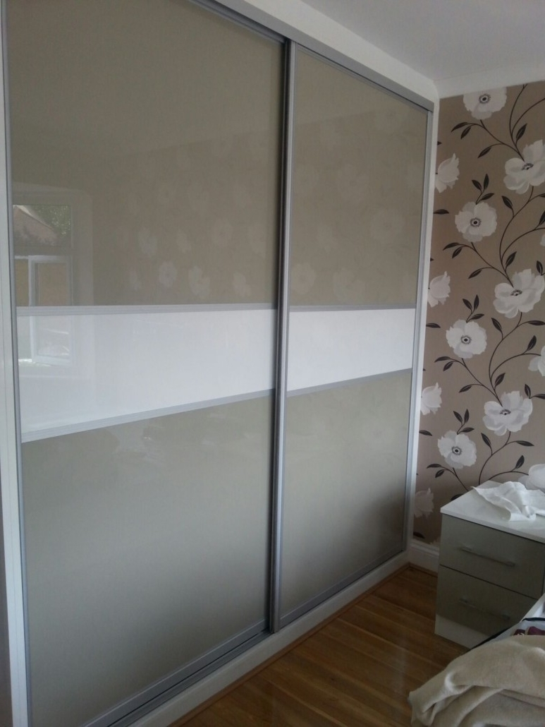 Black High Gloss Sliding Wardrobe Doors White Wardrobes That Can Inside Most Popular White High Gloss Sliding Wardrobes (View 3 of 15)