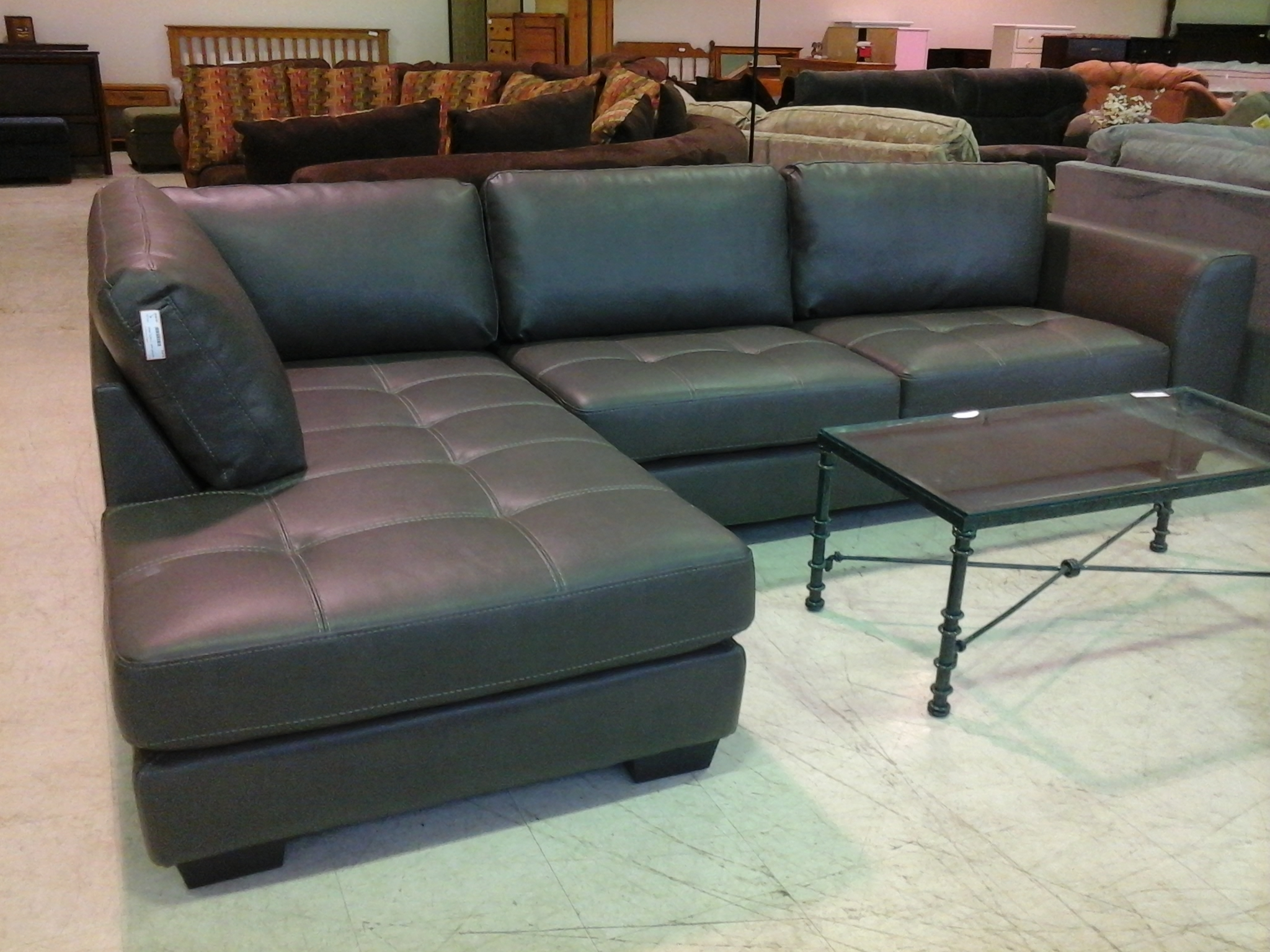 Black Leather Sectionals With Chaise In Most Up To Date Living Room Design: Classy Black Leather Sectional For Elegant (View 1 of 15)