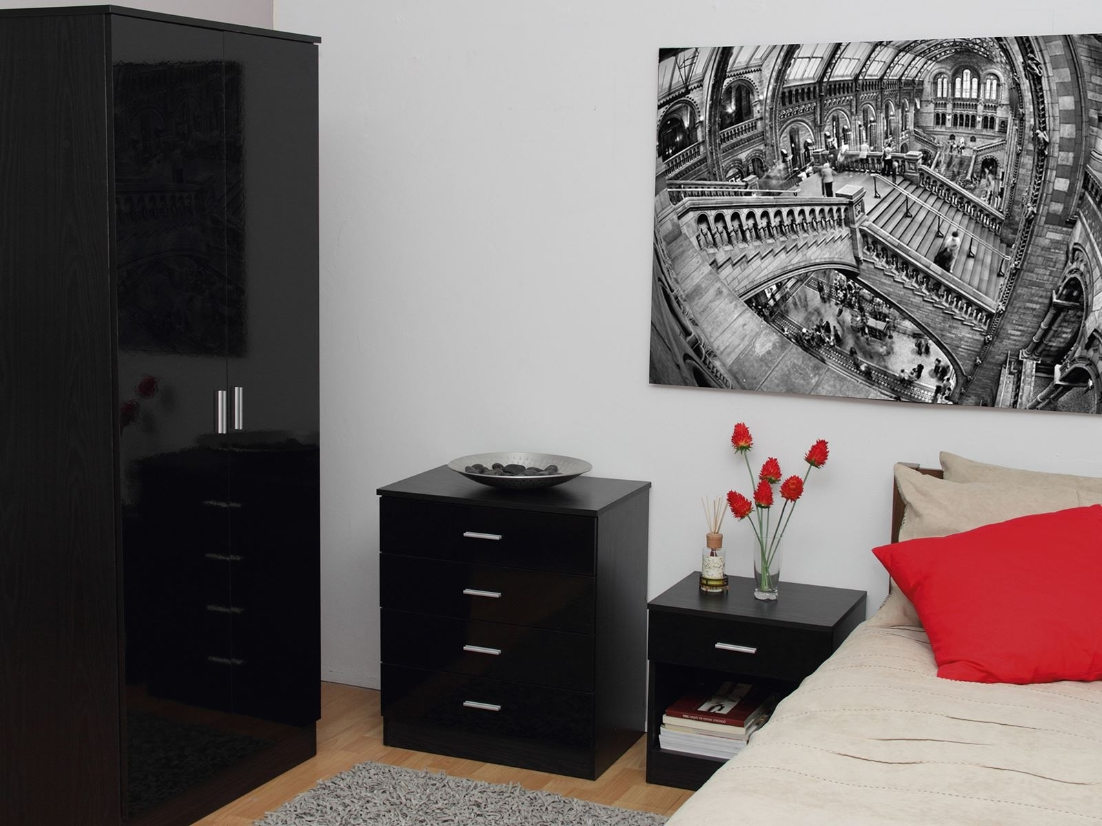 Black Shiny Wardrobes With Regard To Most Current Black Gloss Bedroom Furniture (View 8 of 15)