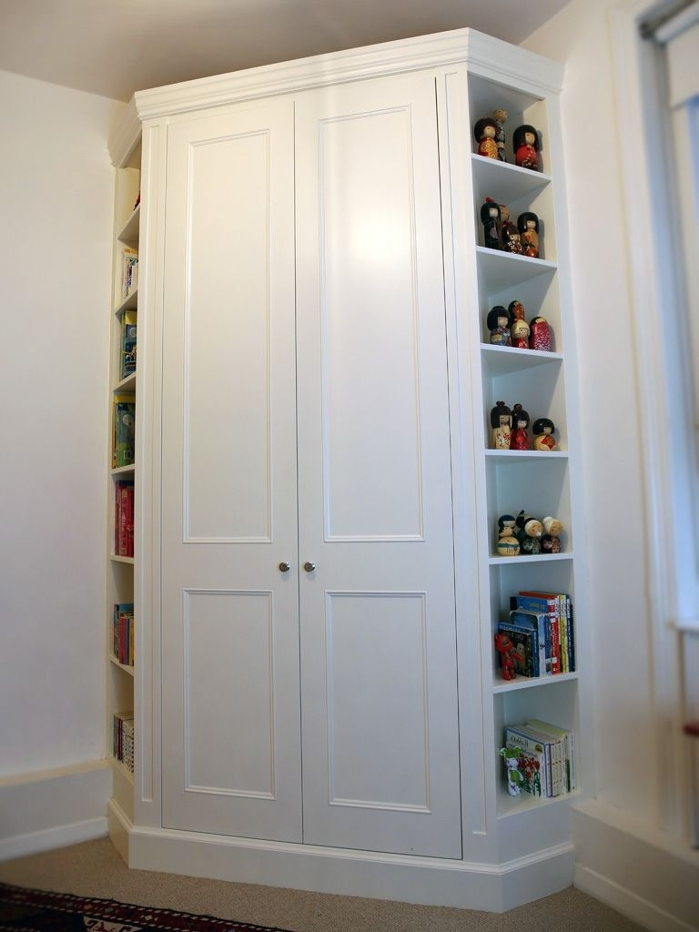Built Fitted Corner Wardrobe Classic Traditional Bedroom Furniture Throughout Current Small Corner Wardrobes (View 2 of 15)