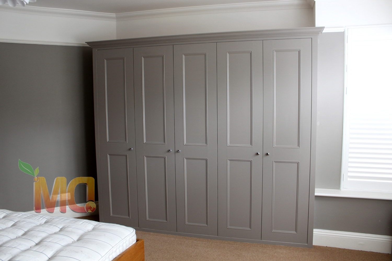 Contemporary Grey Free Standing Wardrobe Wooden Design (View 1 of 15)