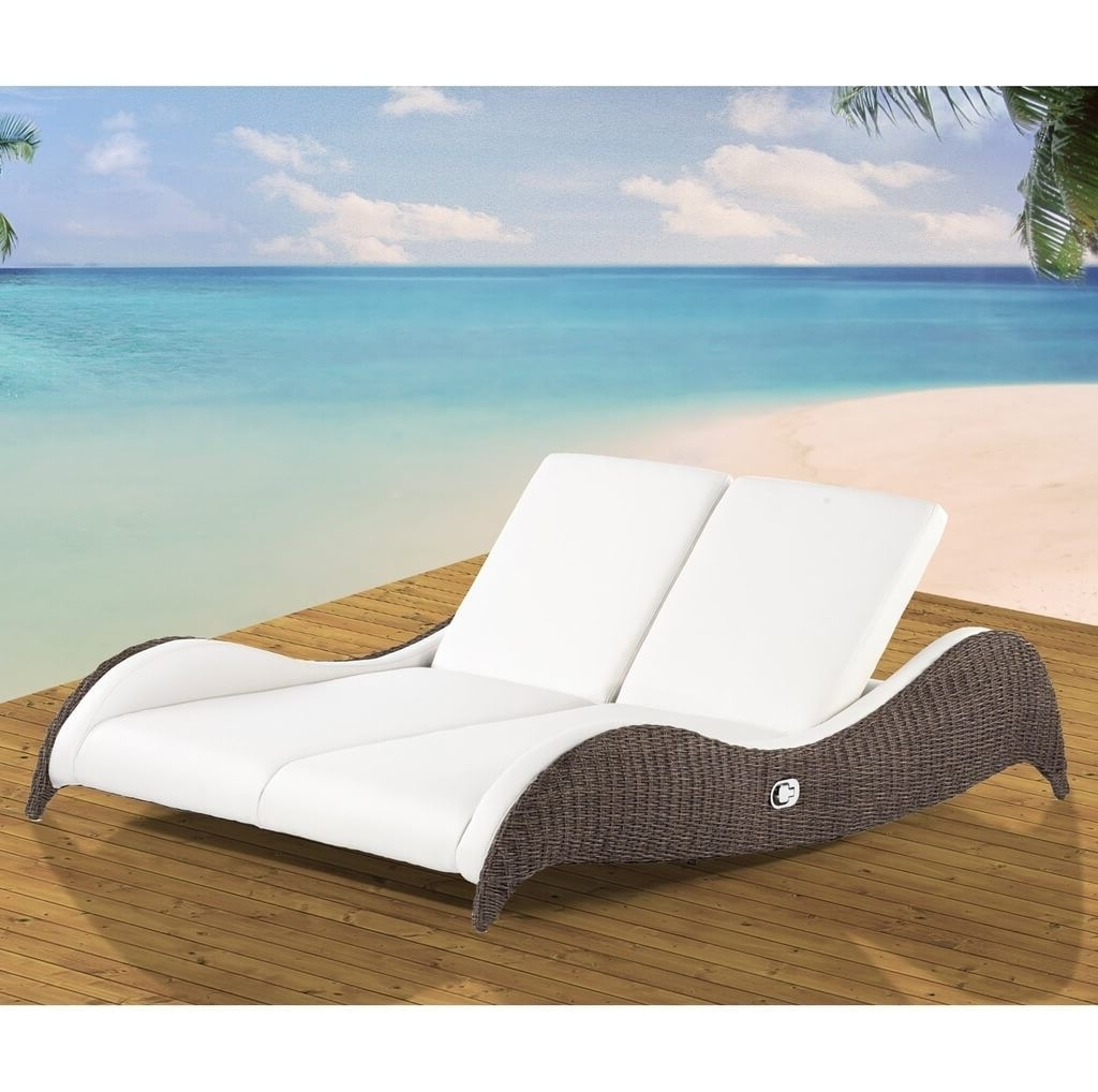 Contemporary Outdoor Chaise Lounge Chairs Intended For 2018 Outdoor: Contemporary Outdoor Double Wicker Chaise Lounge With (View 3 of 15)