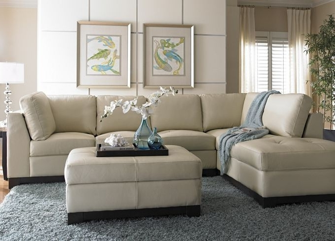 Cream Colored Sofas For Best And Newest Best 25 Cream Leather Sofa Ideas On Pinterest Grey Couch Rooms (View 2 of 10)